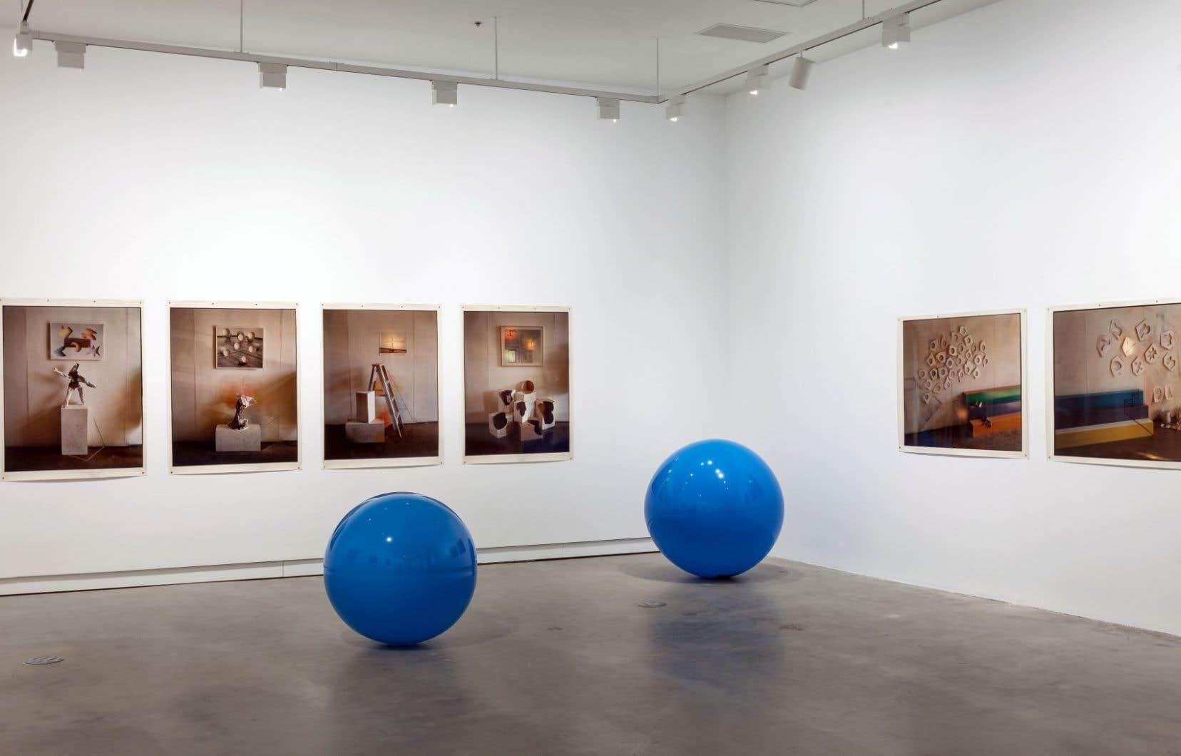 Vue de l'exposition «Serge Tousignant. Exposés de recherche» à Vox