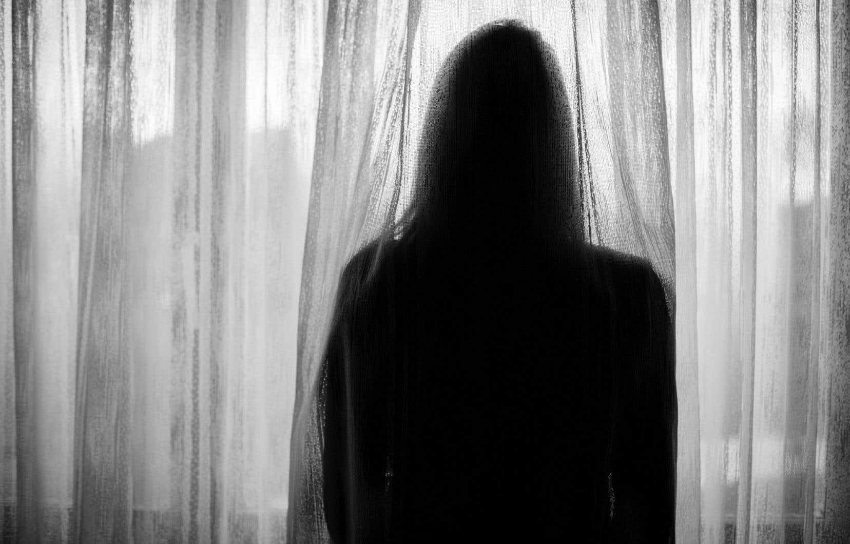 «Autopsie d'une femme plate» est une autre histoire de dérapage contrôlé après «Le syndrome de la vis» dans lequel Marie-Renée Lavoie mettait en scène une enseignante de cégep insomniaque.