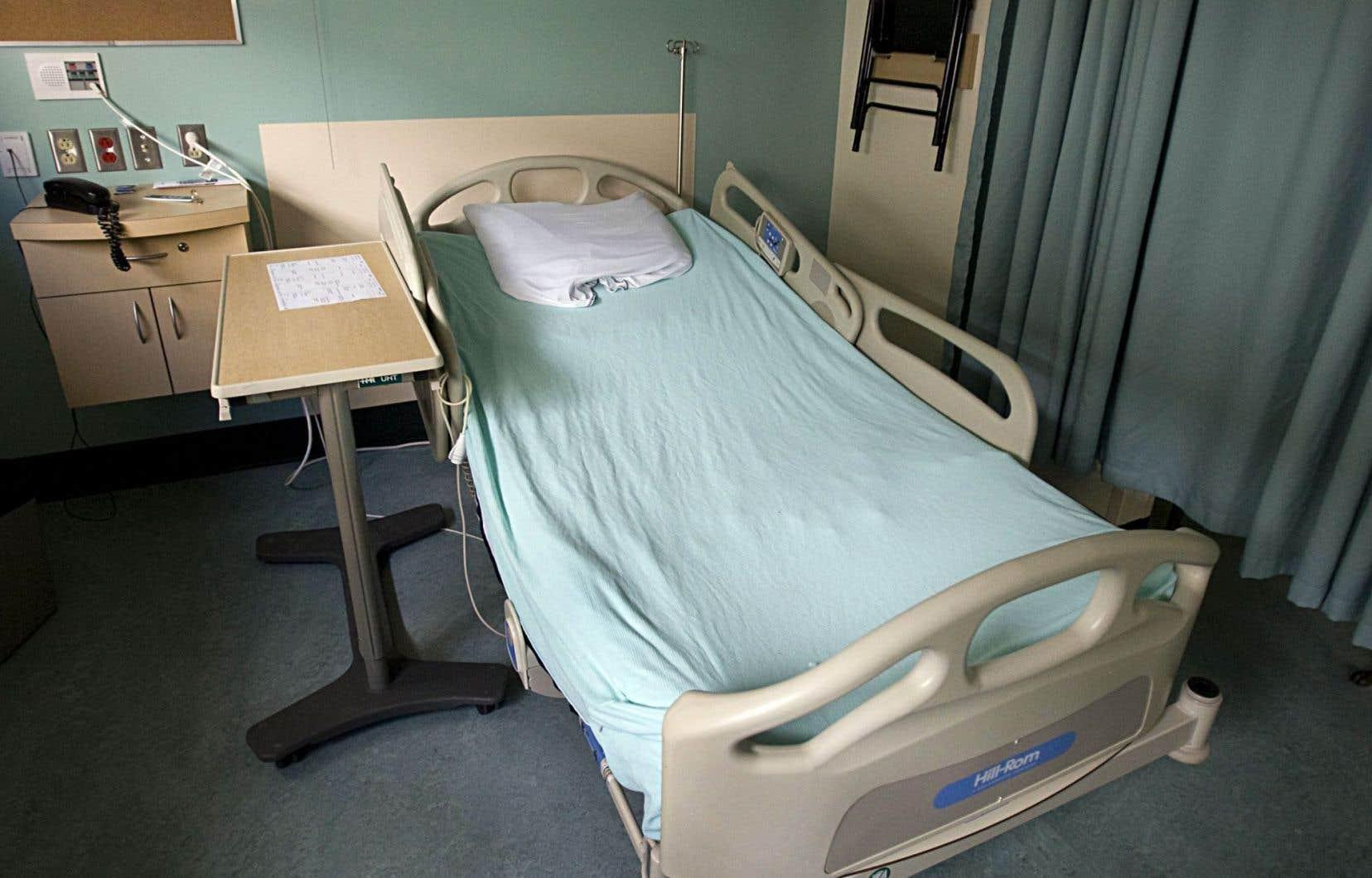 Le taux est calculé en nombre de cas pour 10 000 jours-présence, un jour-présence étant une journée dans un lit d'hospitalisation pour un patient.
