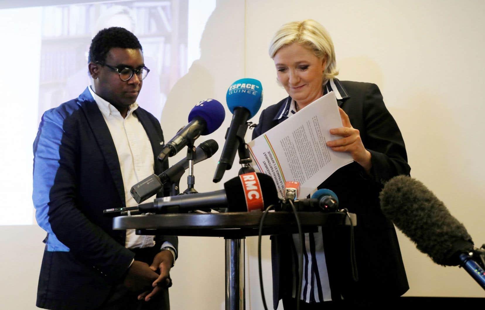 Marine Le Pen a promis mardi qu'elle consacrerait 0,7% du PIB à la «coopération avec l'Afrique», lors d'une rencontre à Paris organisée par Andrea Ngombet, exclu en 2013 du parti de droite UMP.
