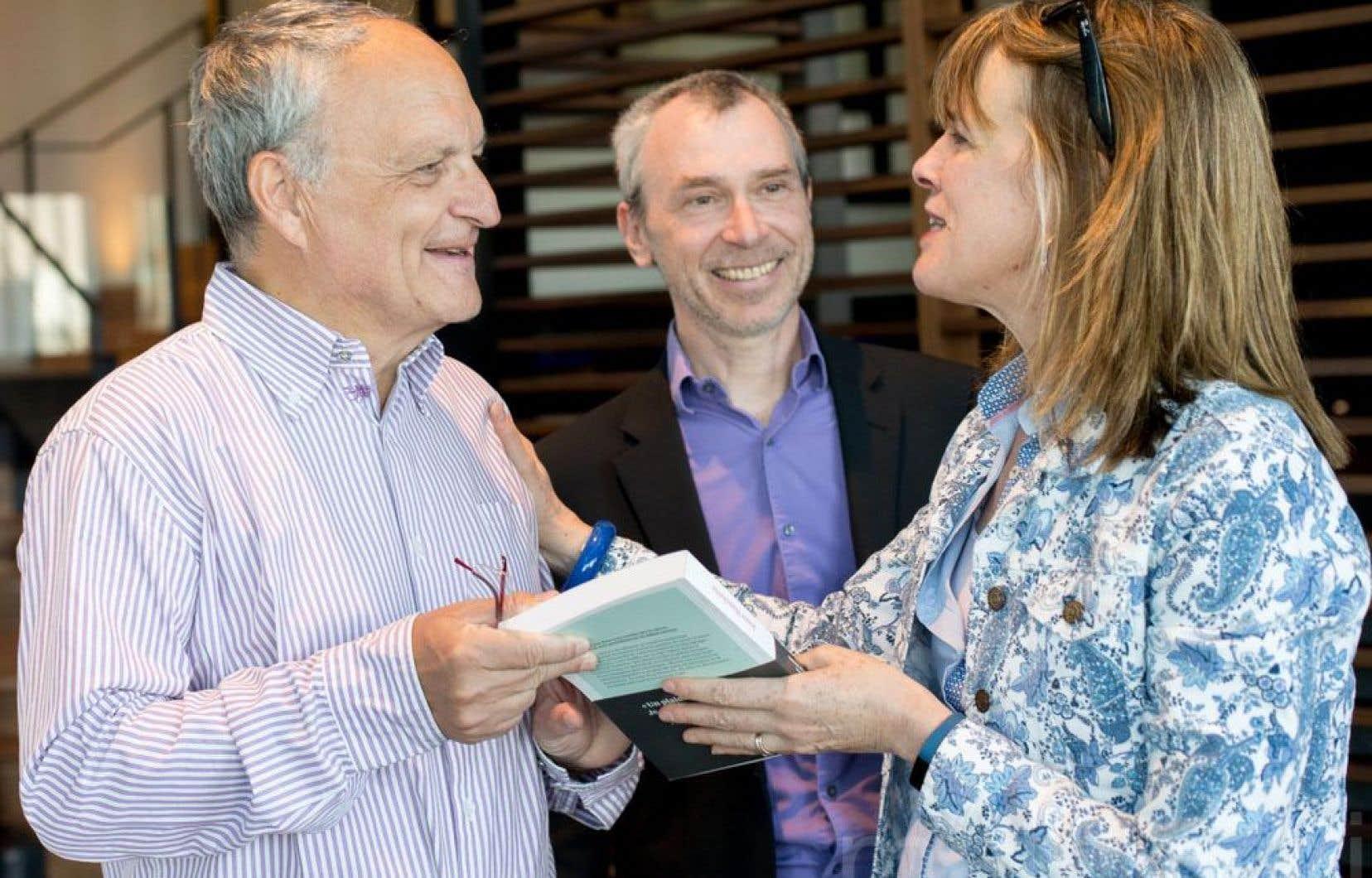 Joblo rencontre le Dr Laurent Schwartz, oncologue hors norme (à gauche), et son complice québécois, le professeur Mario Jolicœur, de Polytechnique Montréal. Deux chercheurs qui réfléchissent à l'extérieur de la boîte.