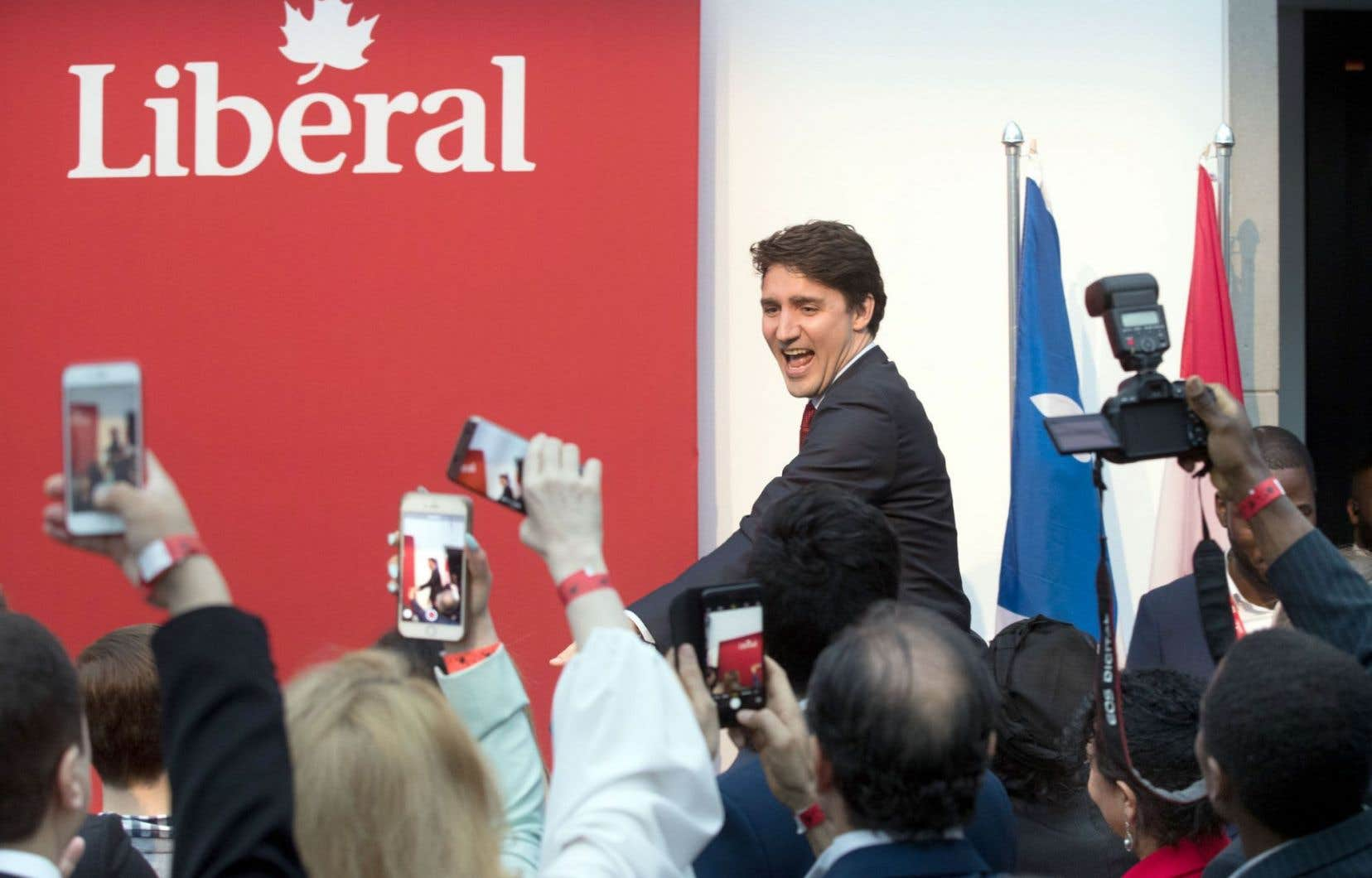 Une centaine de personnes ont payé entre 65 et 250$ pour entendre le premier ministre Justin Trudeau à l'occasion d'un cocktail de financement qui se tenait jeudi au Musée des beaux-arts de Montréal.