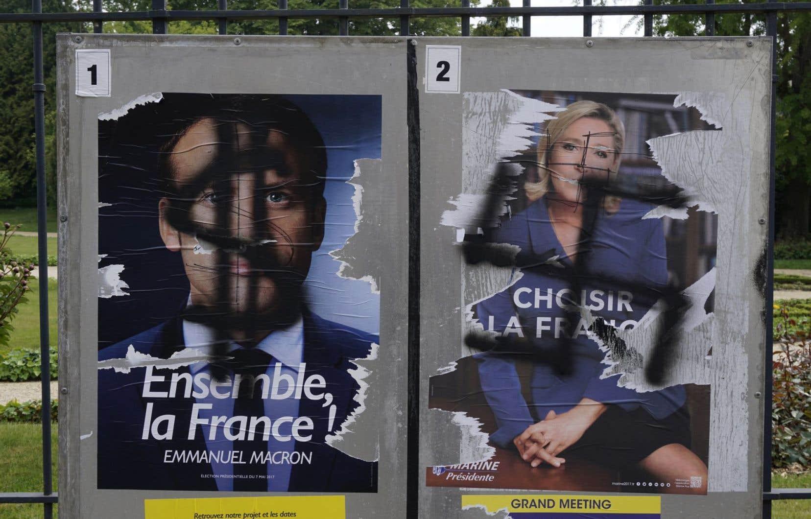 <p>À deux jours du scrutin, Emmanuel Macron et Marine Le Pen se sont livrés à leurs dernières interventions médiatiques et à leurs dernières visites de terrain.</p>