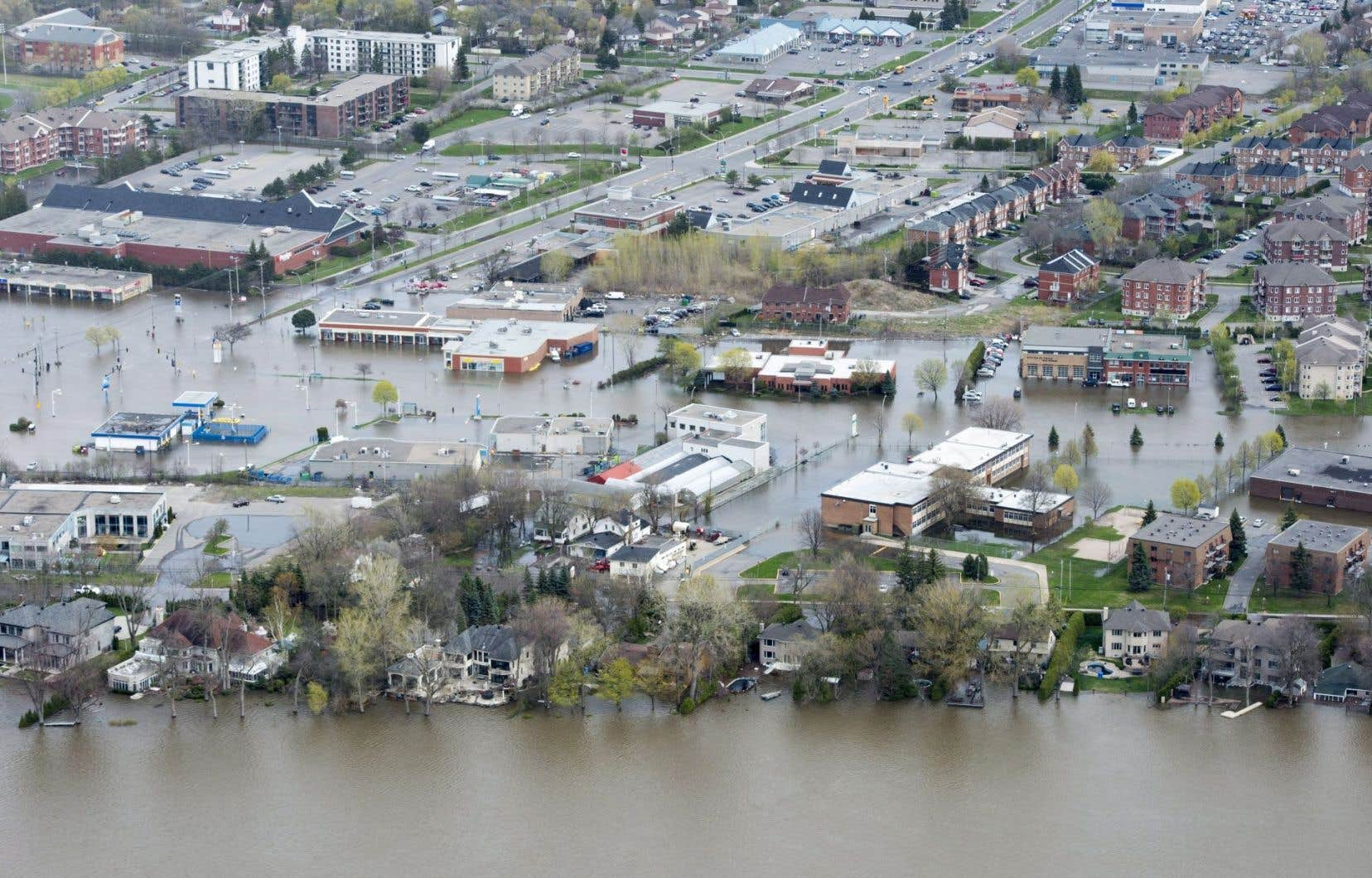 Dans l'ouest de l'île, 47 résidents ont été évacués du pavillon Pierrefonds du CIUSSS.