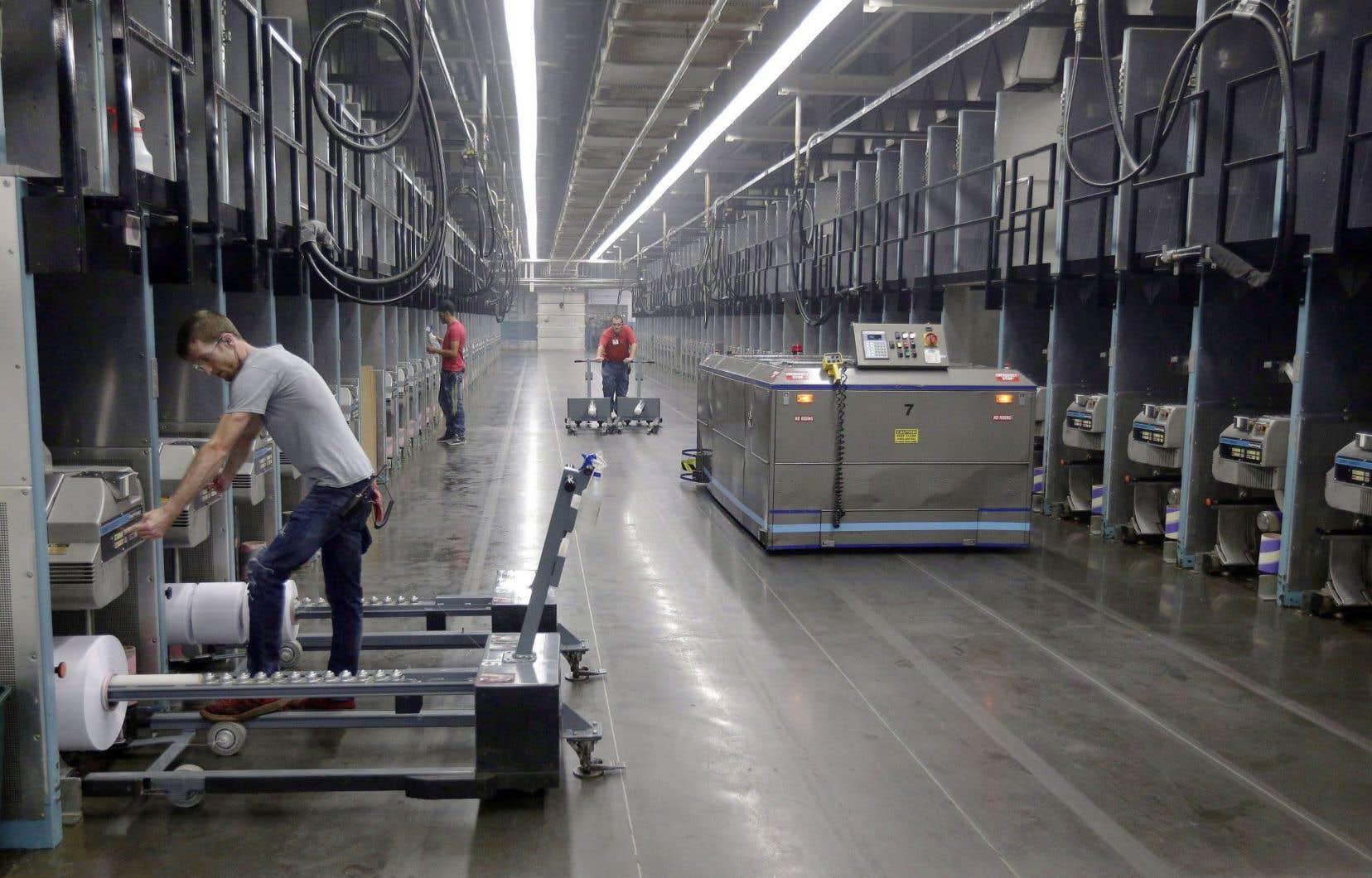 Entre2003 et2015, le nombre de robots installés annuellement à travers le monde a plus que triplé.