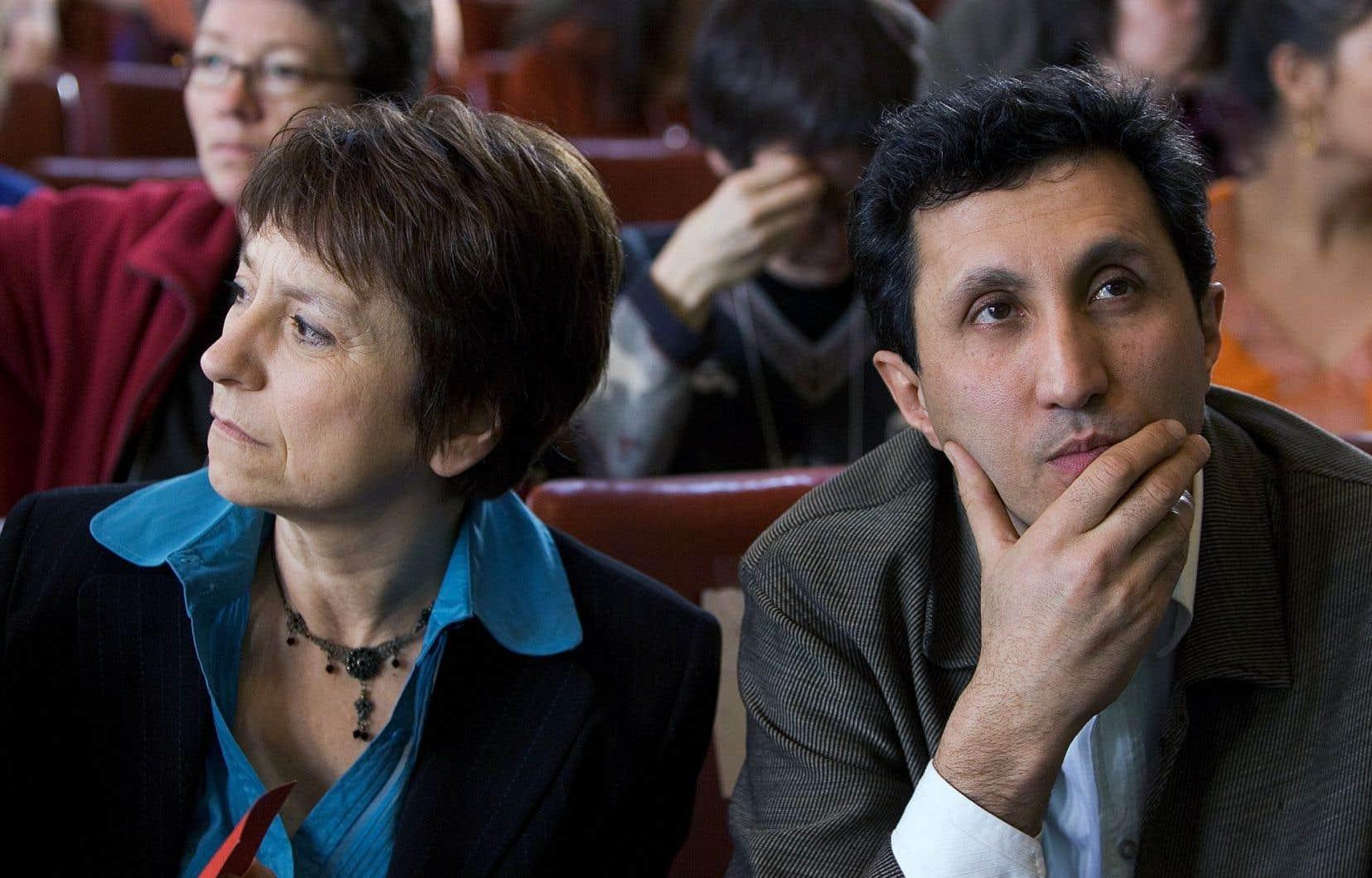 Françoise David et Amir Khadir en 2006, lors du congrès de fondation de Québec solidaire. Selon l'auteure, le parti vient de renier un des principes adoptés lors de ce congrès.