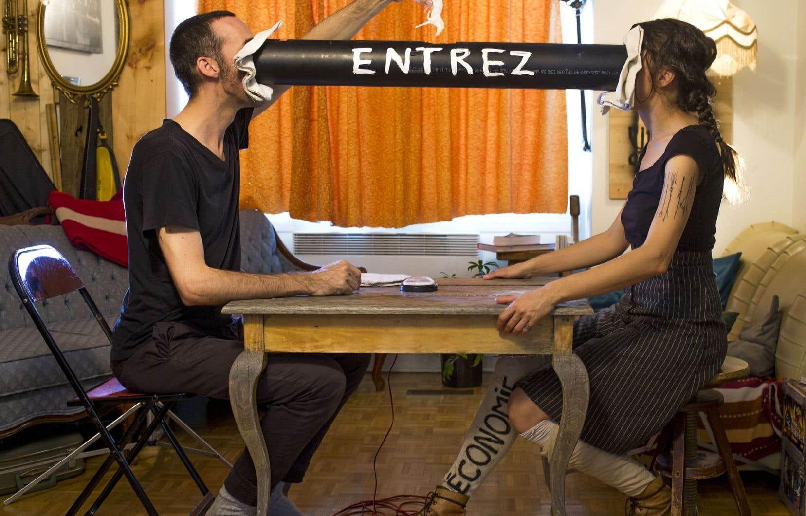 Simon Drouin et Julie Cloutier Delorme parlent de leur méthode de travail et de leur spectacle «Entrez, nous sommes ouverts».