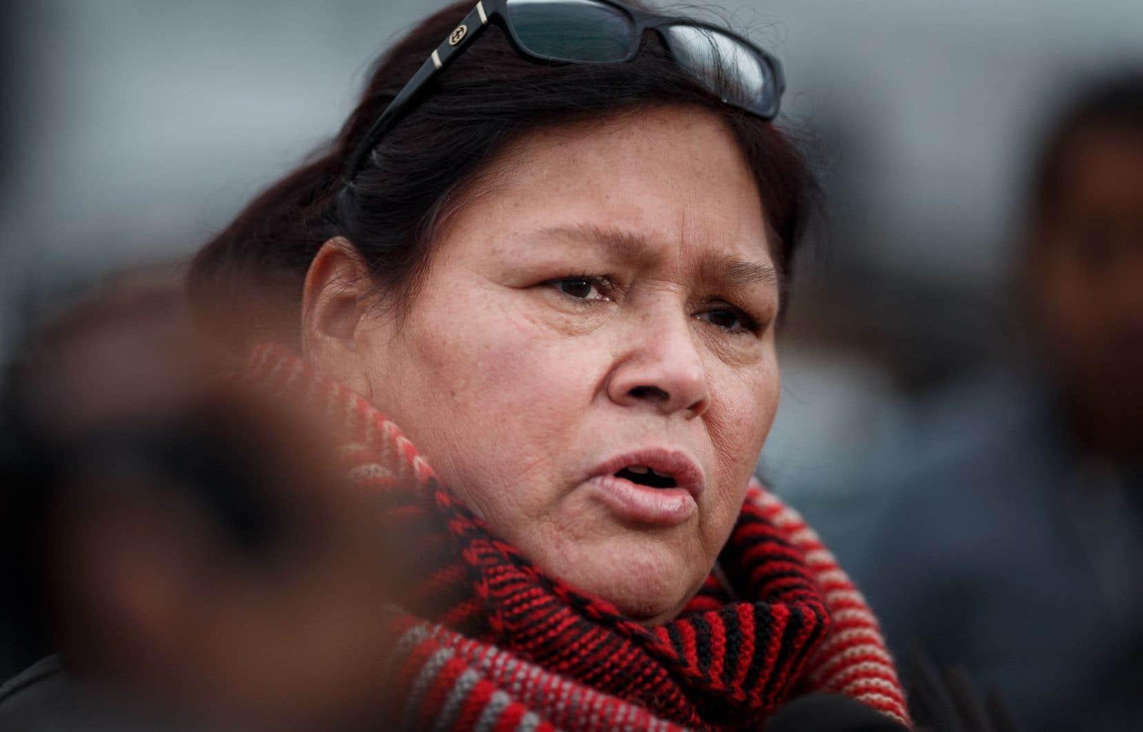 Viviane Michel, présidente de la Fédération des femmes autochtones du Québec parle de «violences institutionnelles».