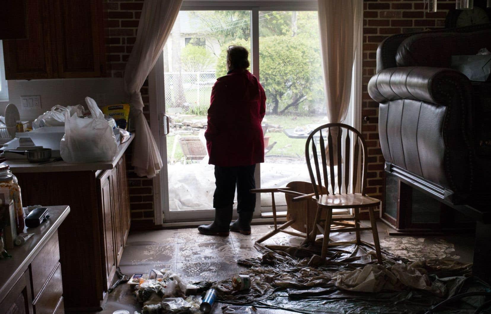 <p>Les sinistrés sont proportionnellement près de cinq fois plus nombreux à considérer leur état de santé mentale comme passable ou mauvais comparativement à la population montréalaise.</p>
