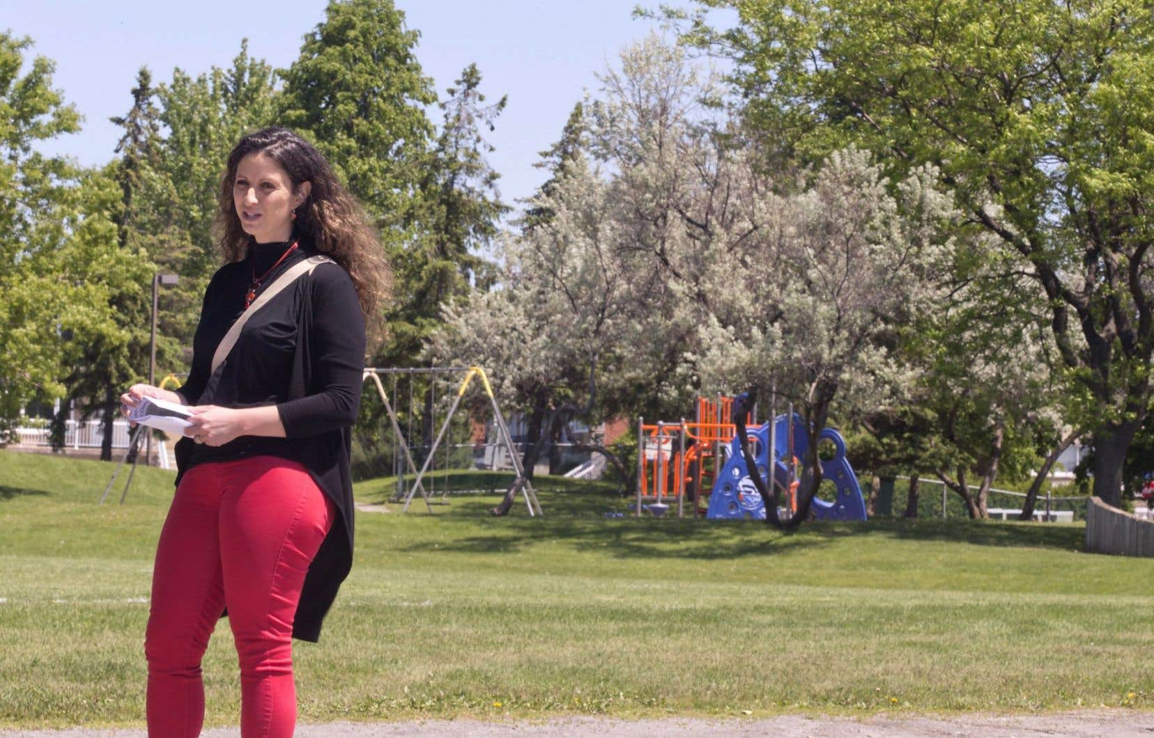 Roxane Borgès Da Silva fait partie d'un comité de citoyens qui milite contre la construction d'une école dans le parc de Cluny, dans le quartier Laval-des-Rapides.