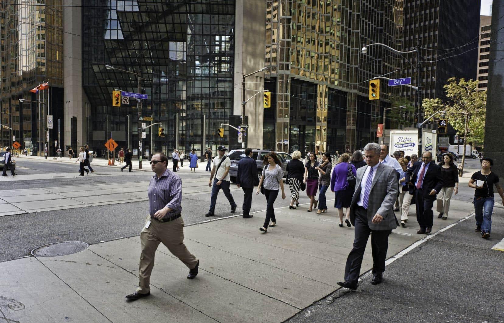 La croissance des prêts hypothécaires à Toronto et à Vancouver a largement alimenté l'augmentation du niveau d'endettement de l'ensemble des Canadiens.