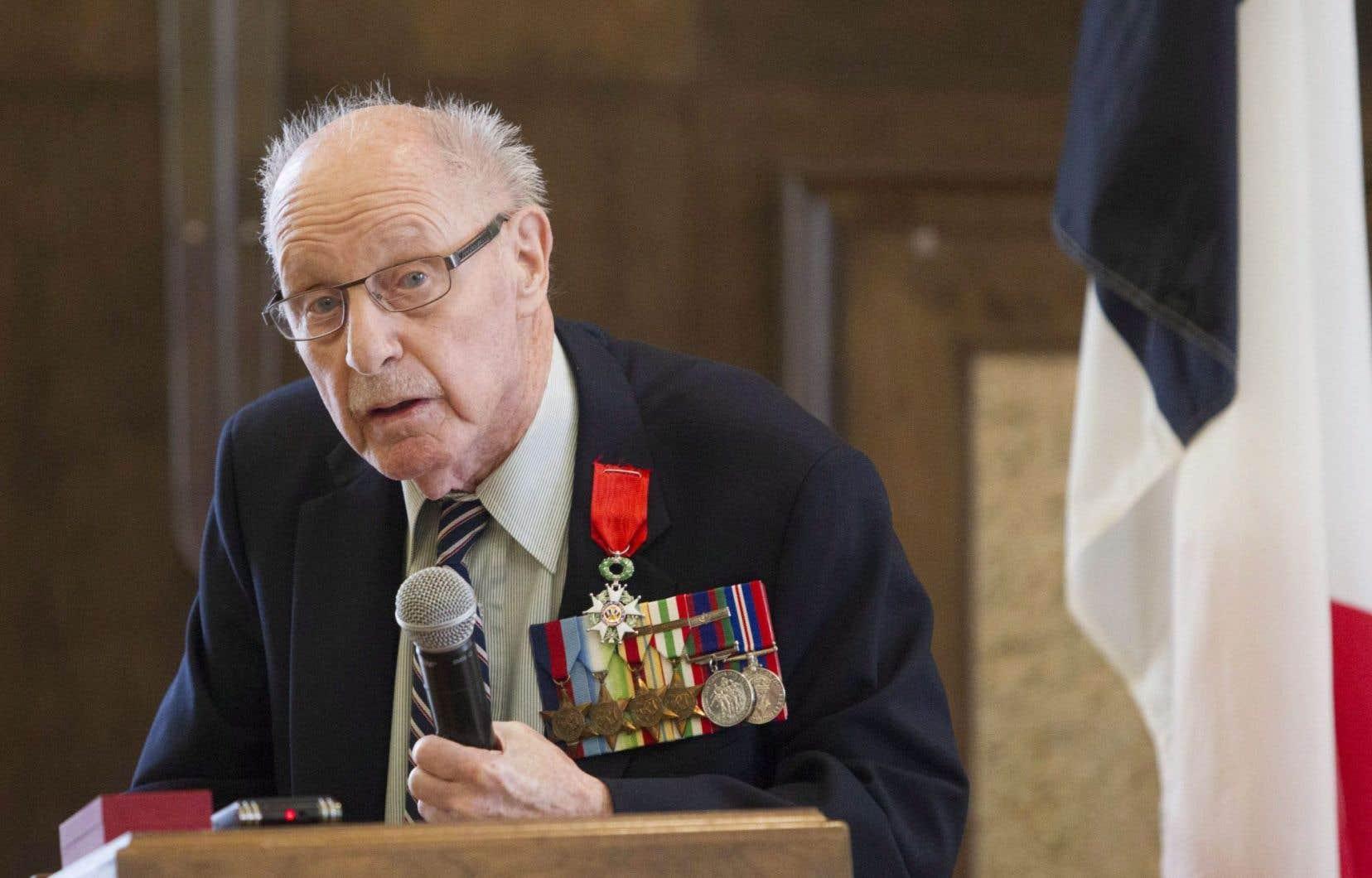 Aujourd'hui âgé de 92ans, Fred Turnbull était artilleur dans la Marine royale canadienne lors de la Seconde Guerre mondiale.