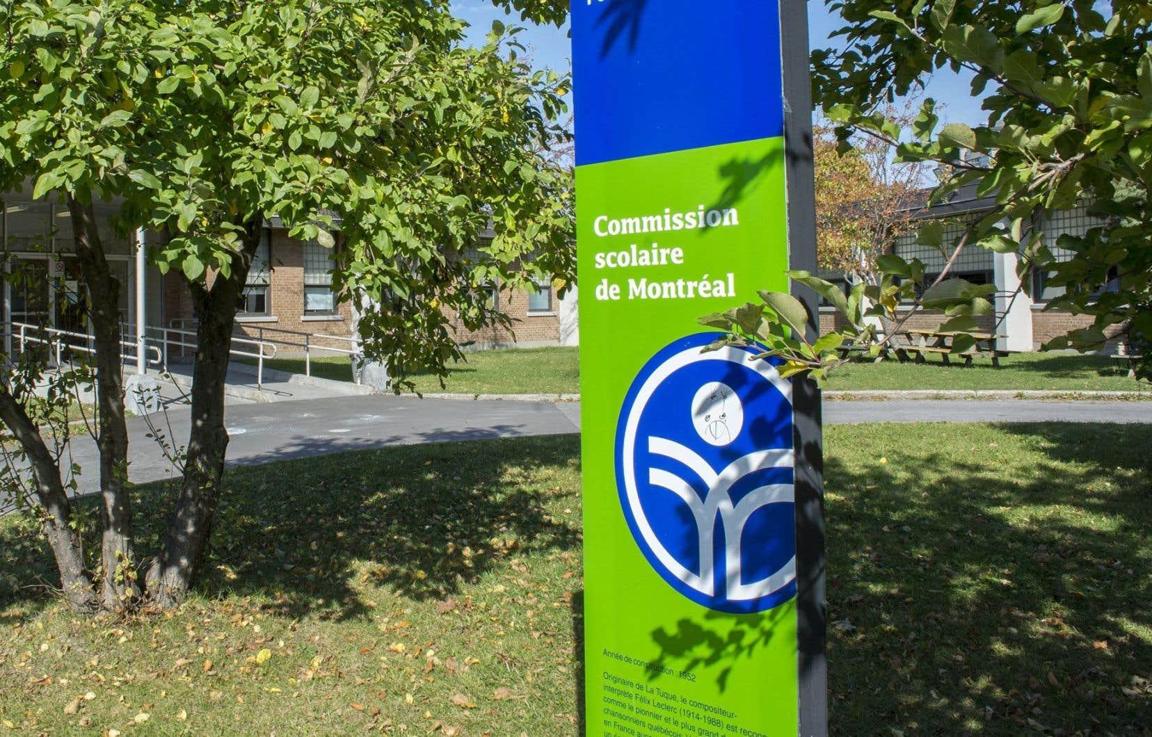 Sur le site Web de la Commission scolaire de Montréal, il est indiqué que la protectrice de l'élève peut traiter «tous les cas».