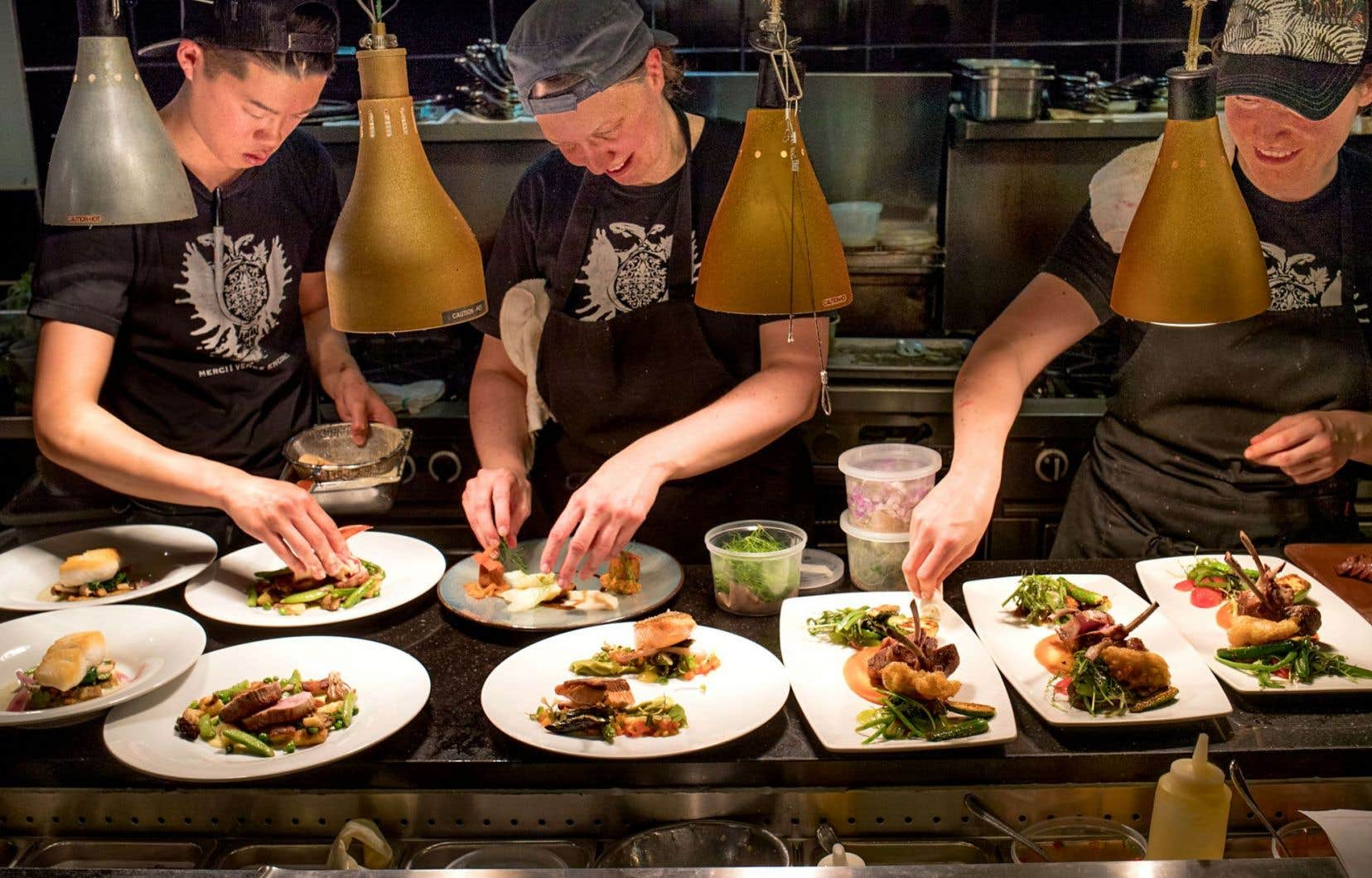 Une soirée au Club est un rite de passage pour tout grand gourmet. Au centre: la chef Mélanie Blouin.