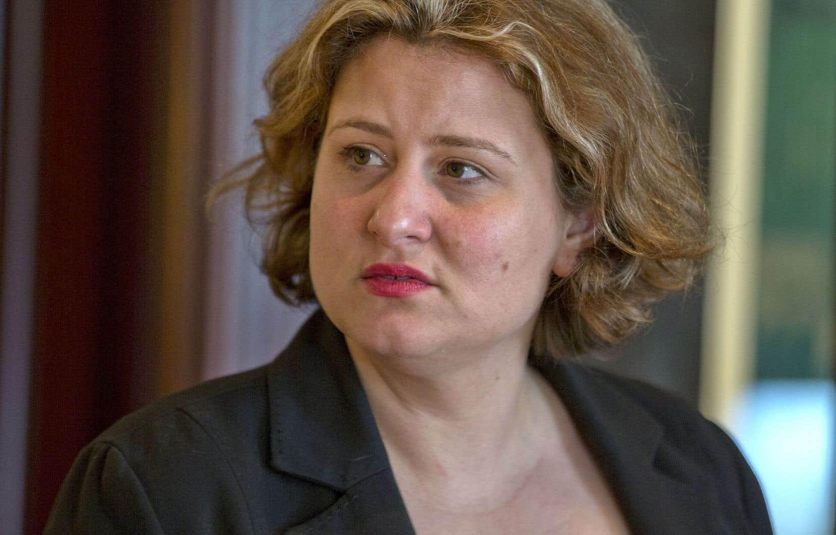 La présidente de la CSDM, Catherine Harel Bourdon, affirme ne pas pouvoir commenter les cas individuels puisqu'il s'agit de dossiers confidentiels.
