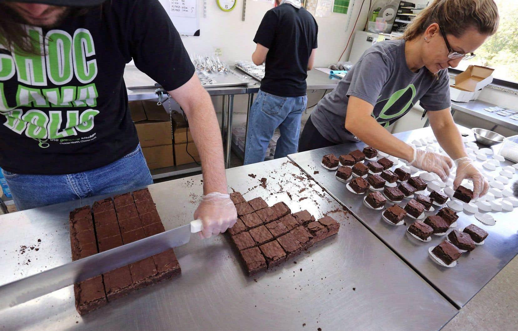 Fabrique de brownies à la marijuana, au Colorado