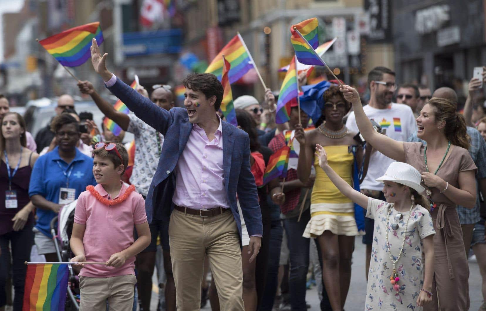 Le premier ministre Justin Trudeau, sa femme Sophie Grégoire Trudeau étaient parmi les dignitaires qui ont participé à la marche.