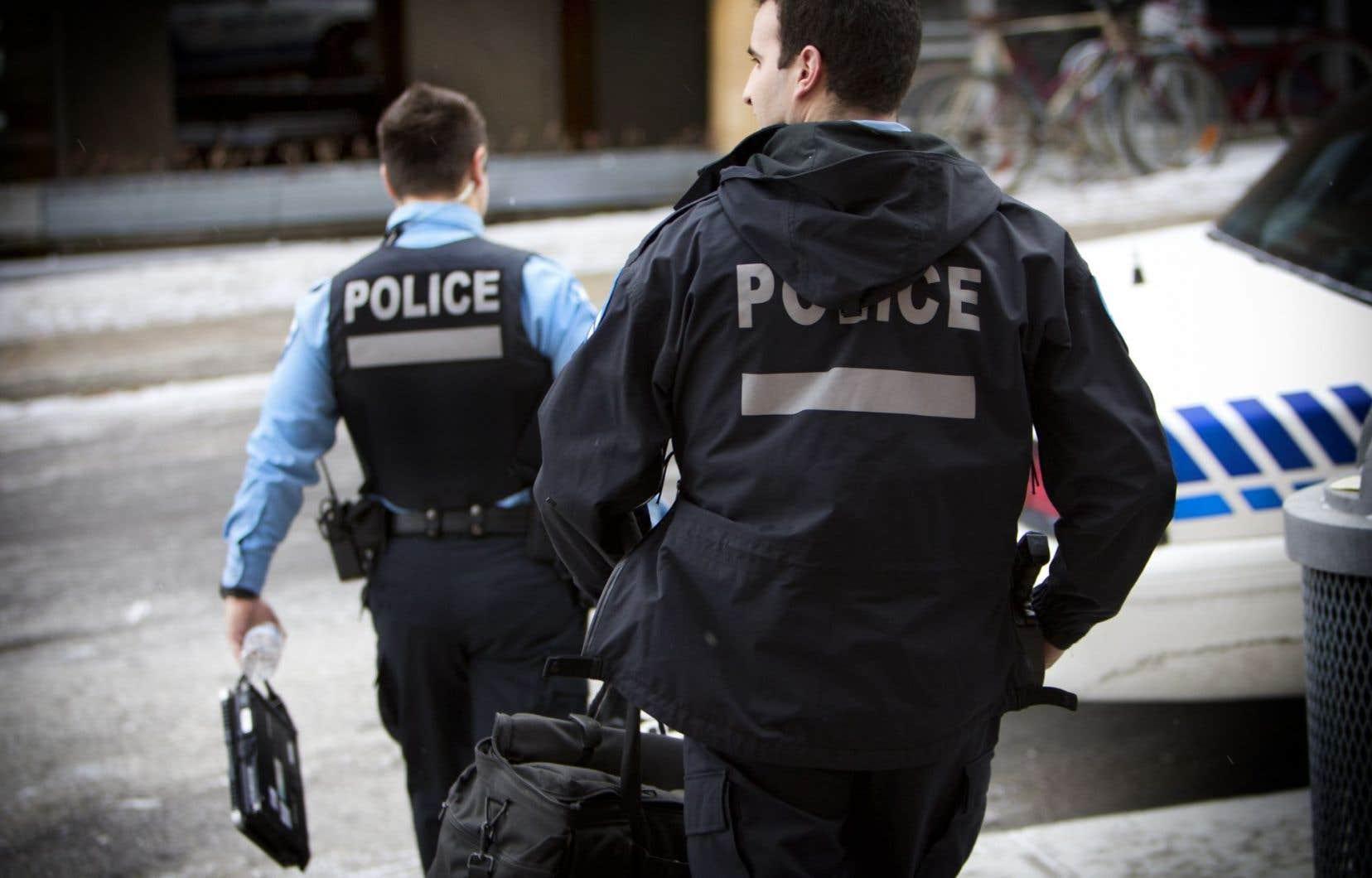 Le BEI dit respecter son devoir d'embaucher un nombre égal d'ex-policiers et de civils dans son unité d'enquête.