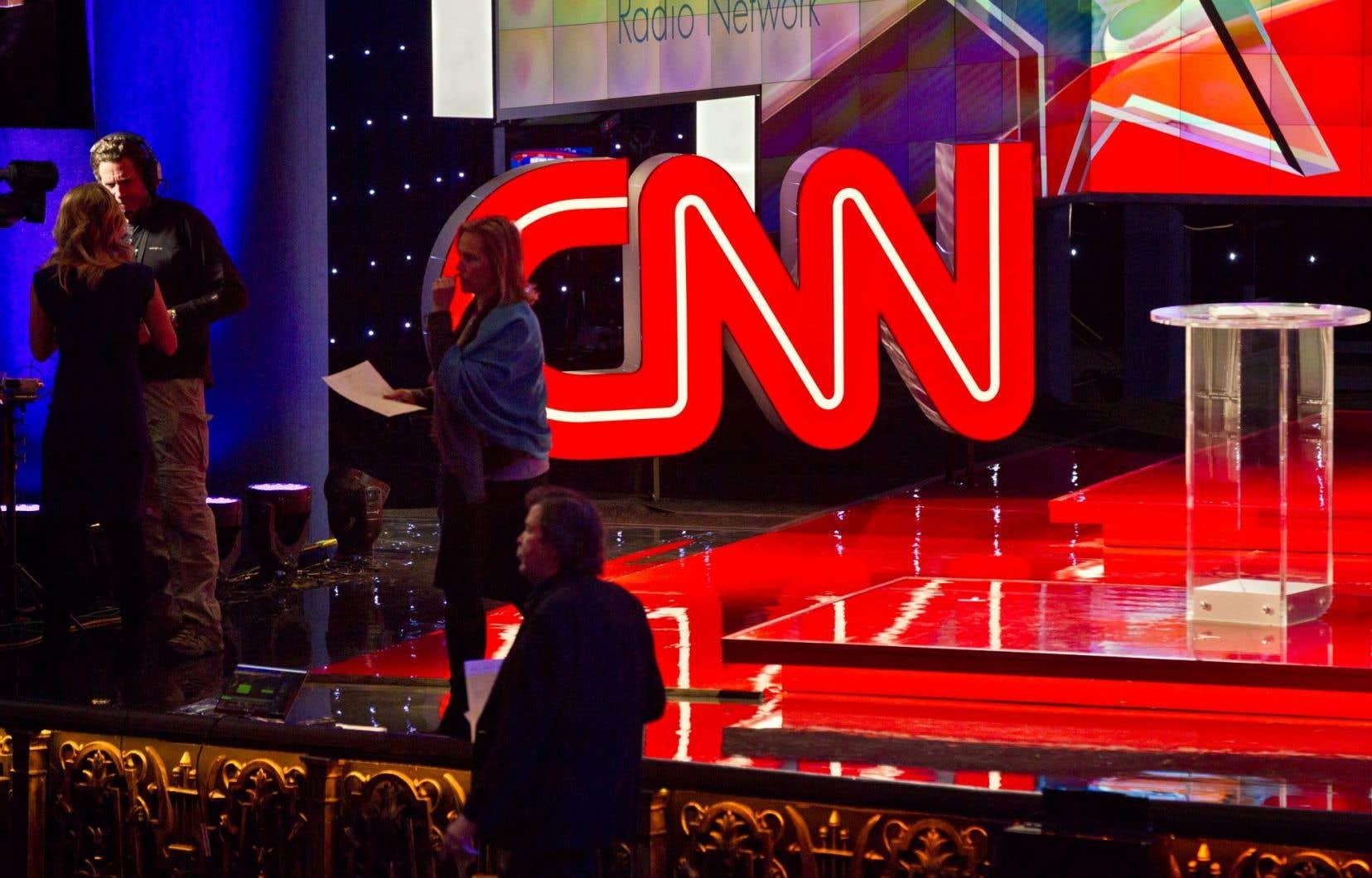 La porte-parole de la Maison-Blanche a accusé CNN d'avoir donné des informations erronées «à de nombreuses reprises», dans la lignée des propos de Donald Trump.