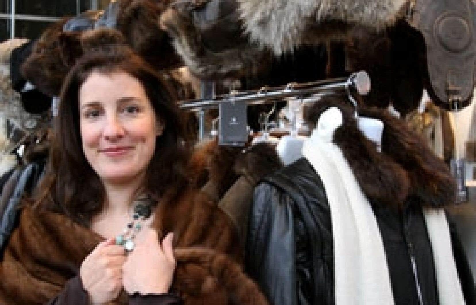 Bon an, mal an, Mariouche Gagné recycle avec Harricana au moins 5000 manteaux de fourrure.