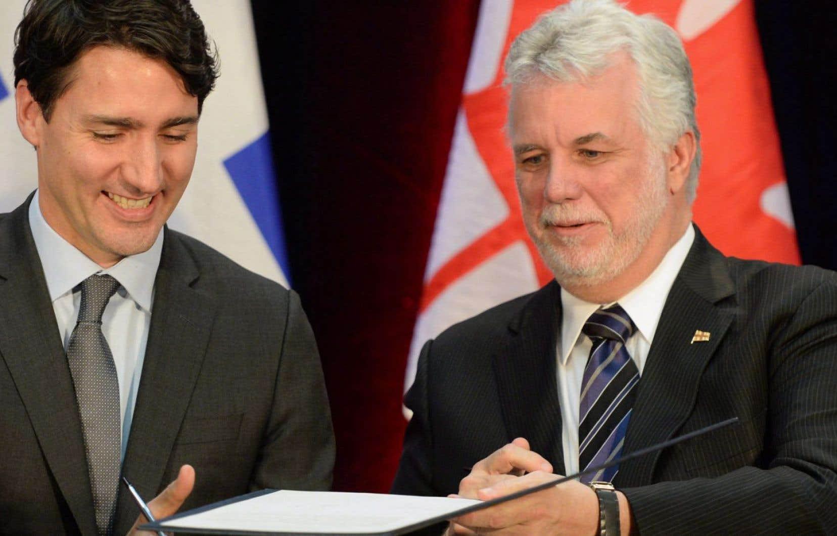 Le premier ministre du Canada, Justin Trudeau, en compagnie de son homologue du Québec, Philippe Couillard, en 2016