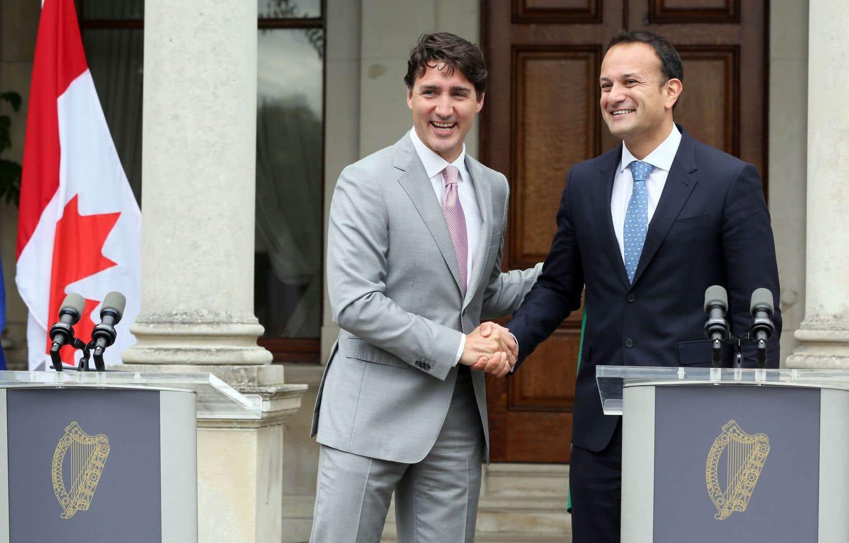 Justin Trudeau et Leo Varadkar en conférence de presse à l'issue de leur entretien, mardi