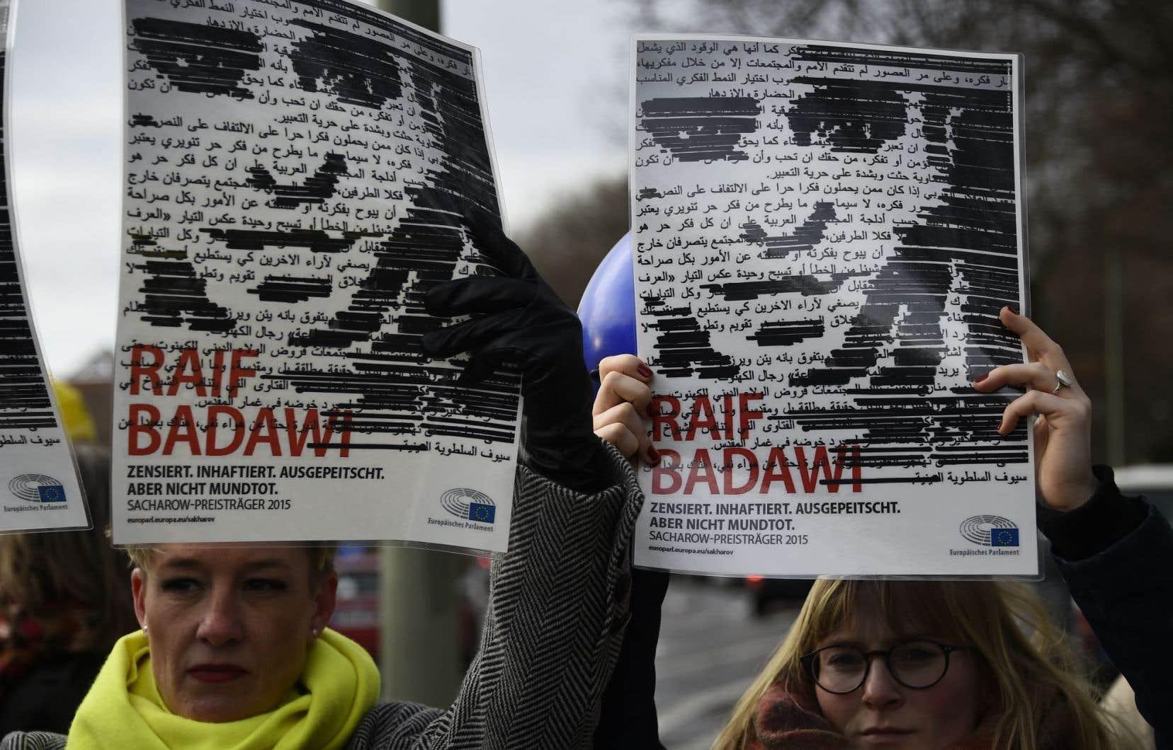 Le gouvernement canadien a fait état de la difficulté d'intercéder en faveur de Raif Badawi puisque celui-ci n'est pas citoyen canadien.