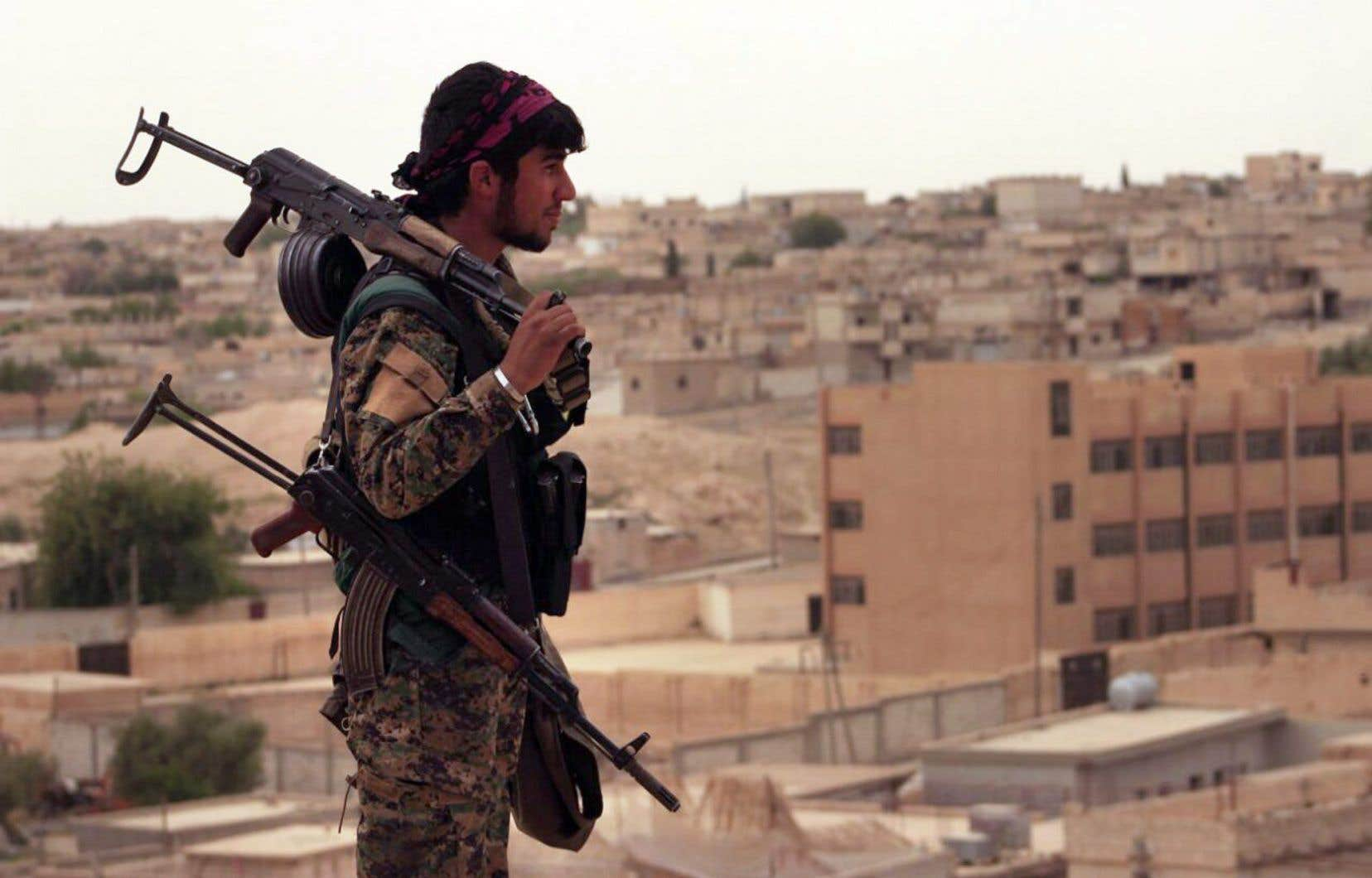 Les Forces démocratiques syriennes ont réussi il y a quelques jours à entrer dans la vieille ville de Raqqa grâce aux frappes de la coalition internationale qui ont ouvert des brèches dans la muraille entourant ce secteur historique fortifié.