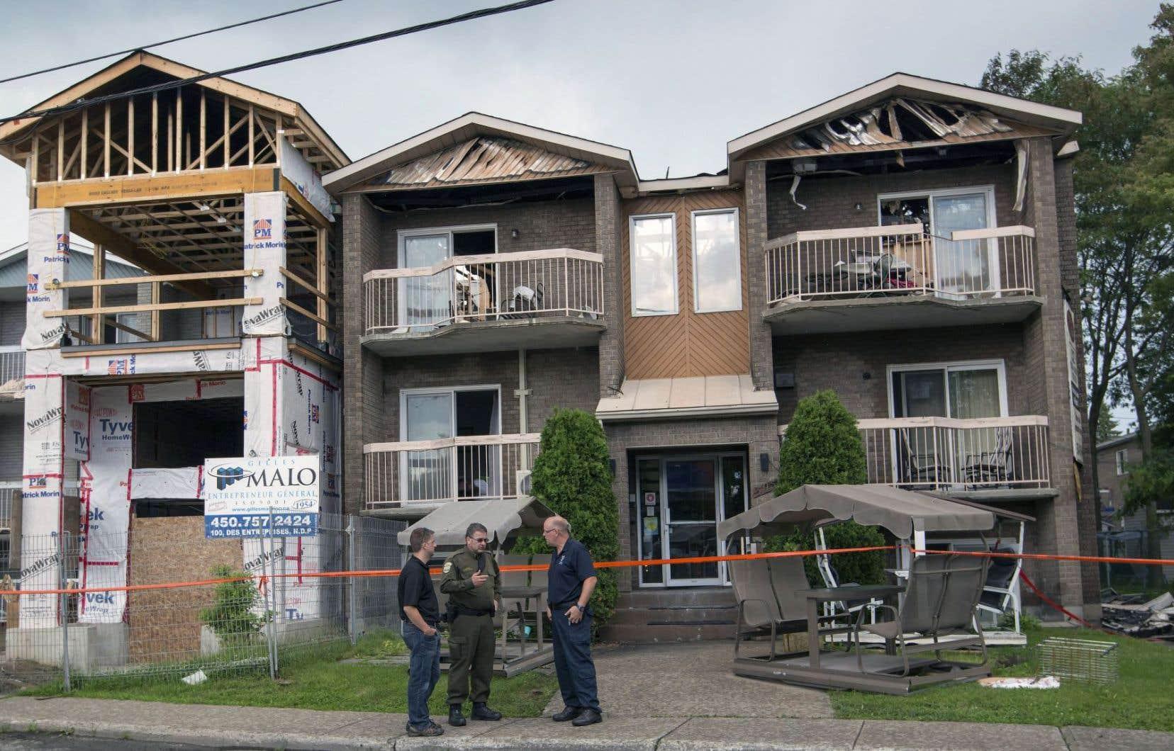 Des agents de la Sûreté du Québec et de la police de Terrebonne se sont rendus sur les lieux, dimanche.