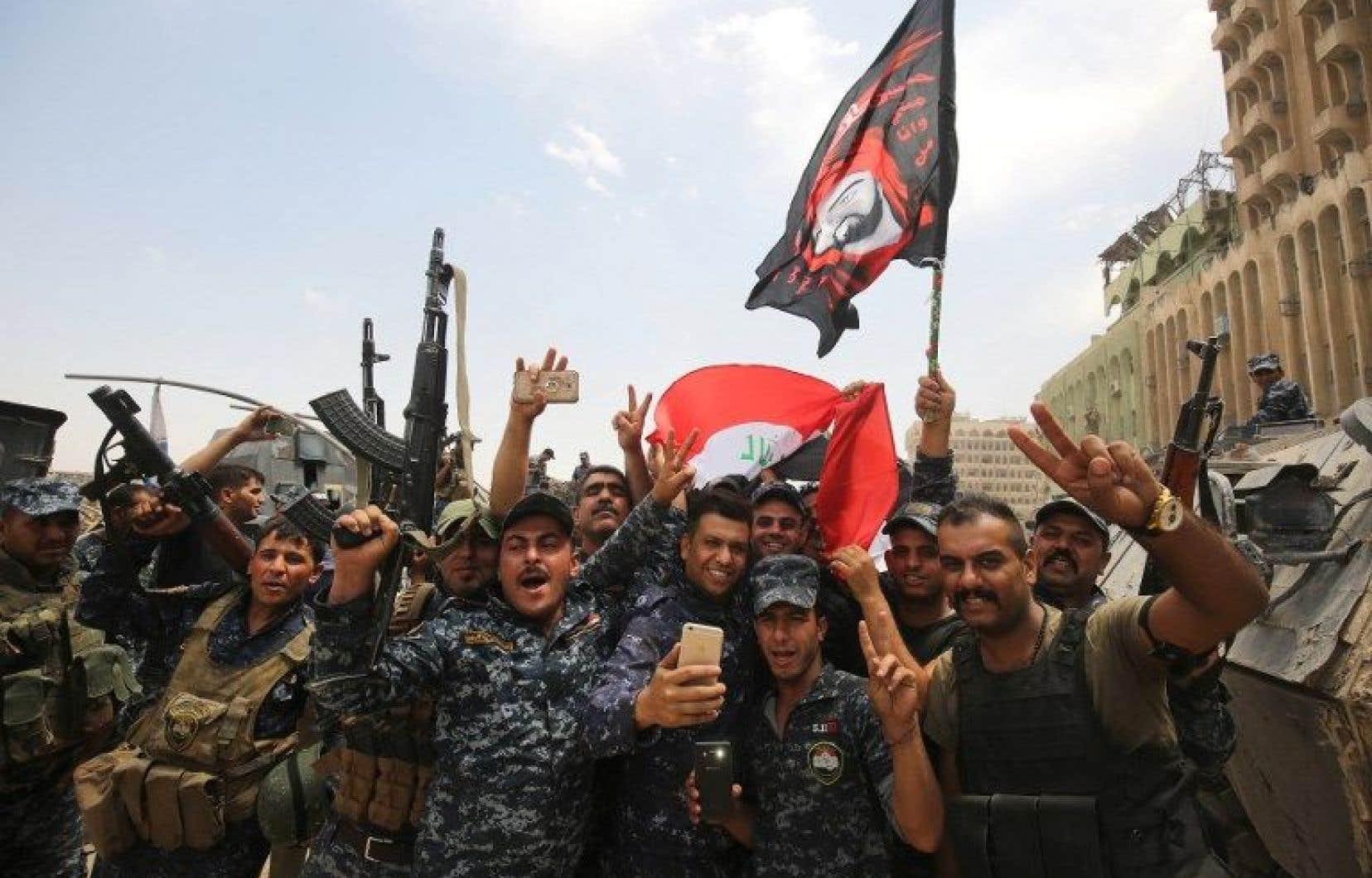 Une offensive avait été lancée le 17octobre par les forces irakiennes, soutenues par la coalition internationale dirigée par les États-Unis.