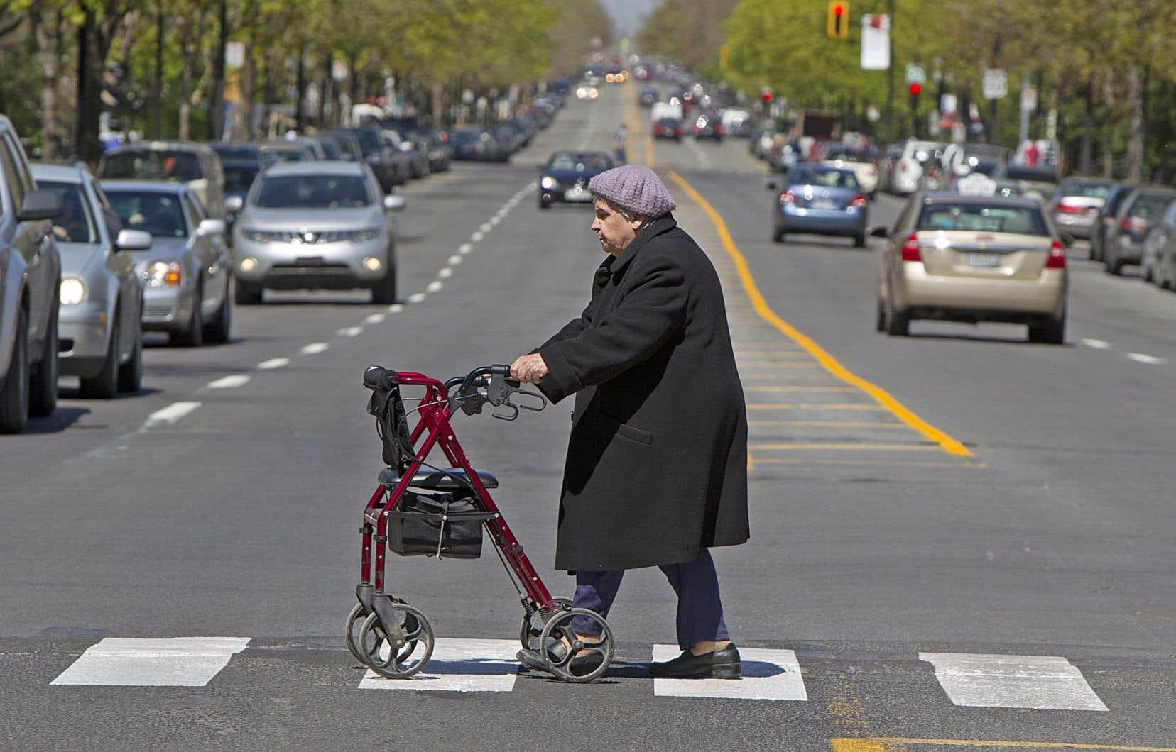 Le bilan routier de la SAAQ précise que plus de la moitié (soit 55,6%) des piétons décédés l'année passée étaient âgés de 65ans et plus.