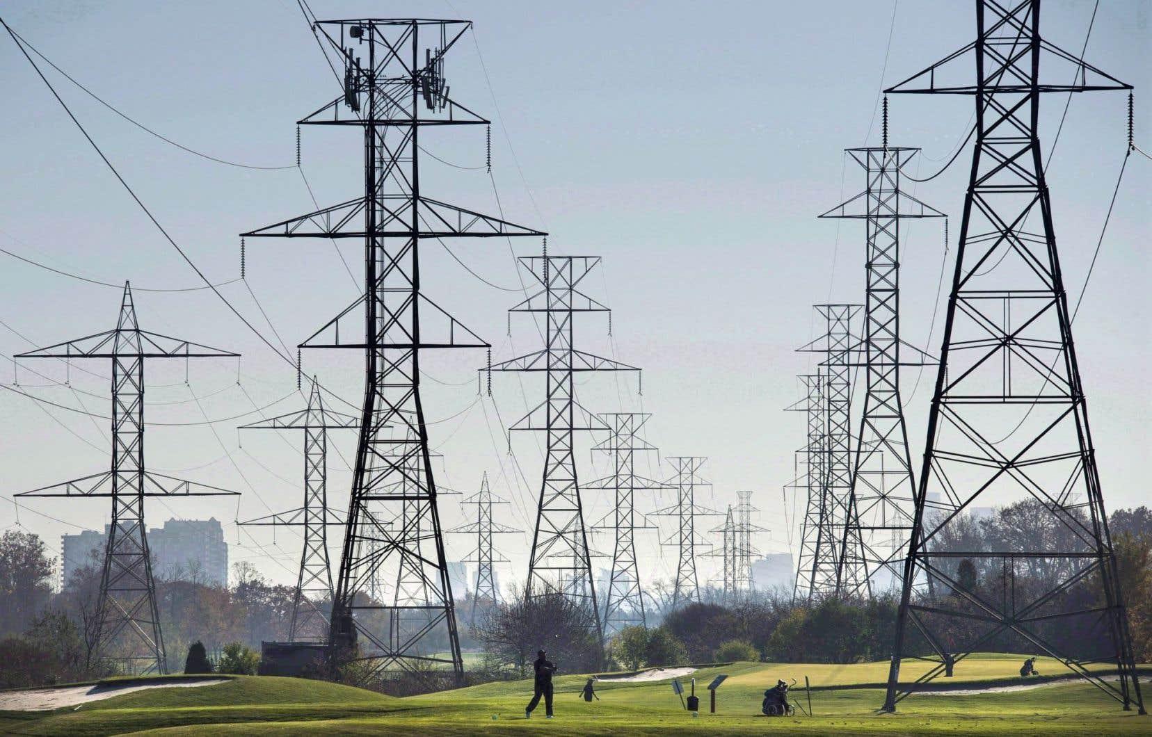 Le secteur de l'électricité a connu une hausse de 6% entre2014 et2016, pour représenter 43% des investissements en énergie sur la planète.