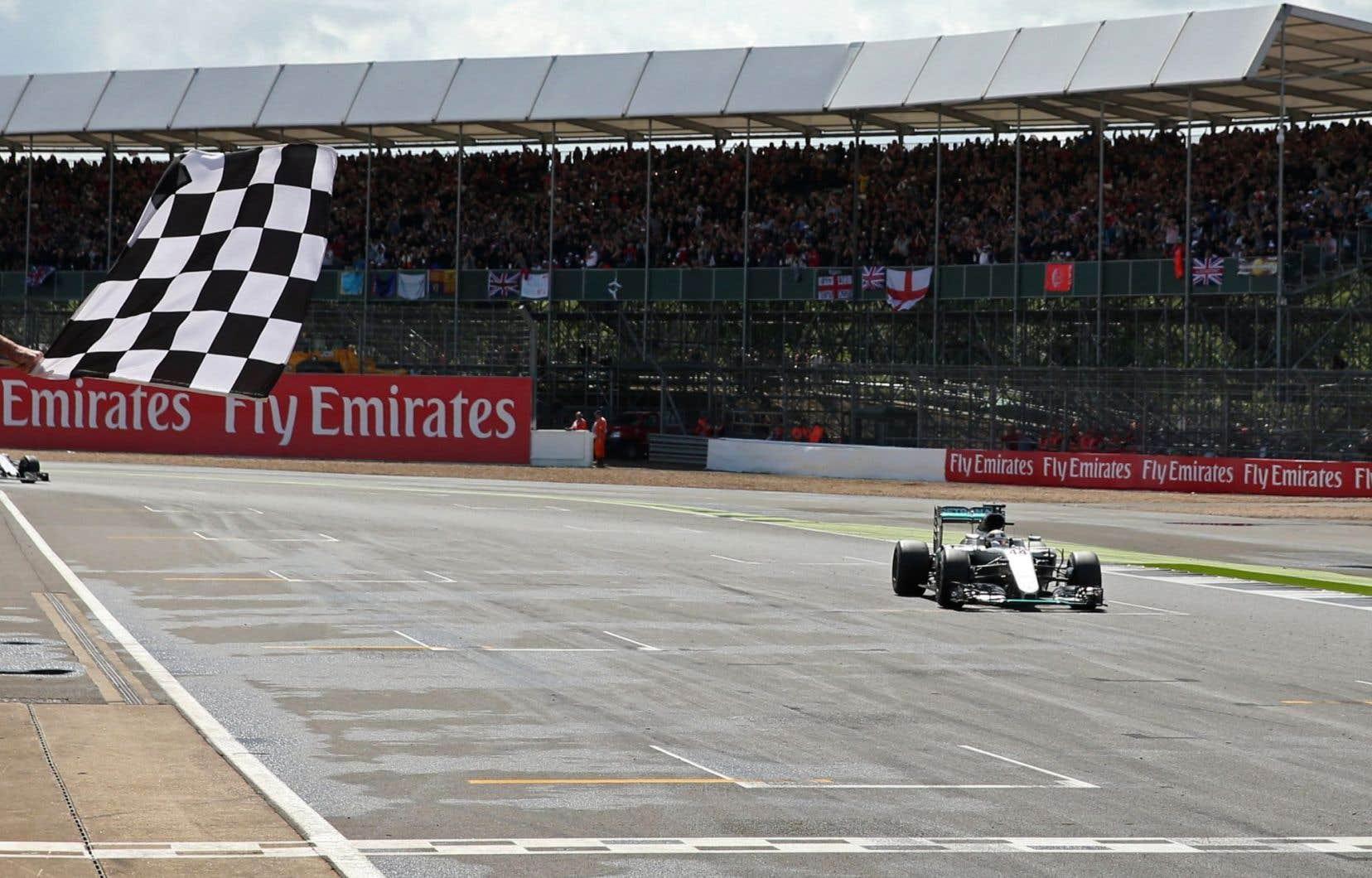L'entente actuelle qui prévoit une hausse annuelle de 5% des frais a été conclue en 2009, soit la dernière fois que la course de Silverstone était menacée de disparaître.