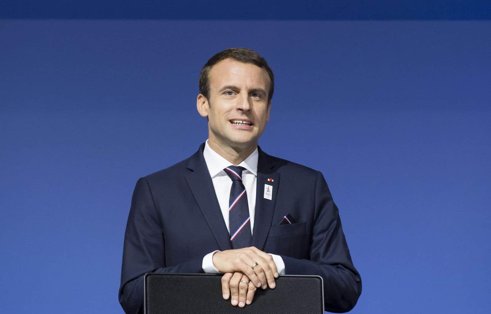 Pendant la campagne, Emmanuel Macron avait évoqué le chiffre de 2,8% de déficit en 2018, mais il pourrait être tenté désormais de s'en tenir au strict minimum, à savoir 3%.