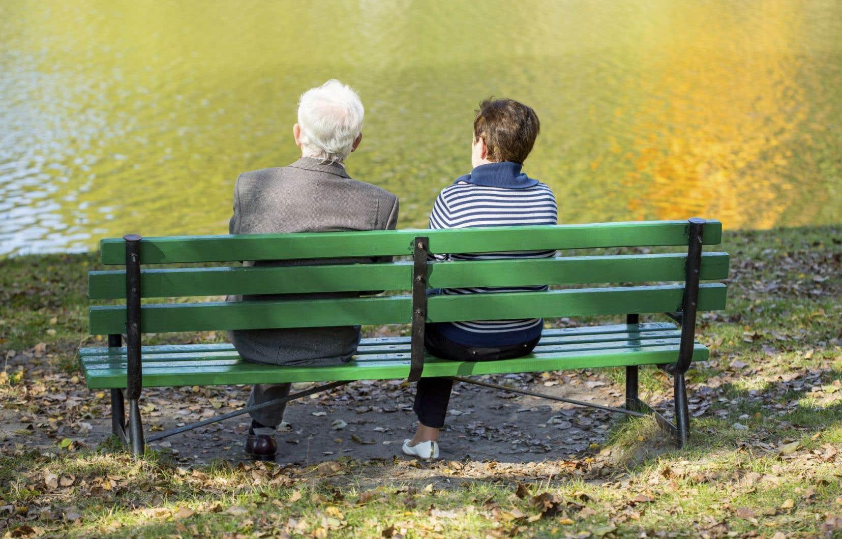 Au Québec, l'espérance de vie estde 79,7ans chez les hommes et de 83,8ans chez les femmes.