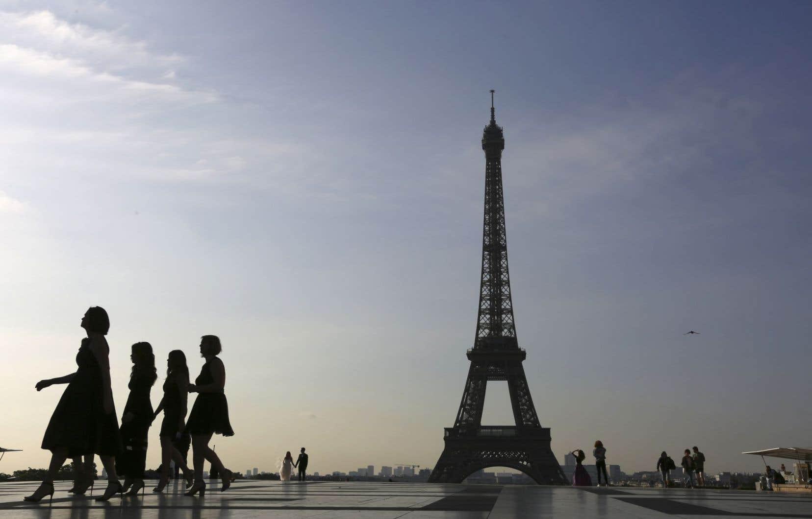 «Personne ne contestera aujourd'hui le fait que la France vit un déclin économique depuis les deux dernières décennies», remarque l'auteur.