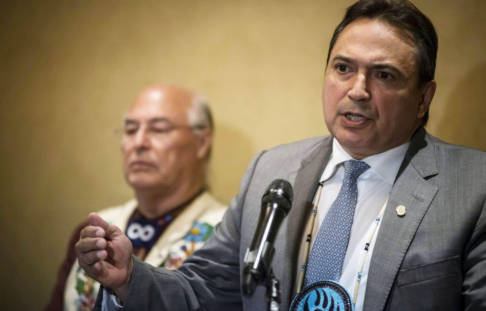 Le chef Perry Bellegarde a réclamé des sièges en bonne et due forme au Conseil de la fédération pour les trois principales organisations autochtones au pays.<br />