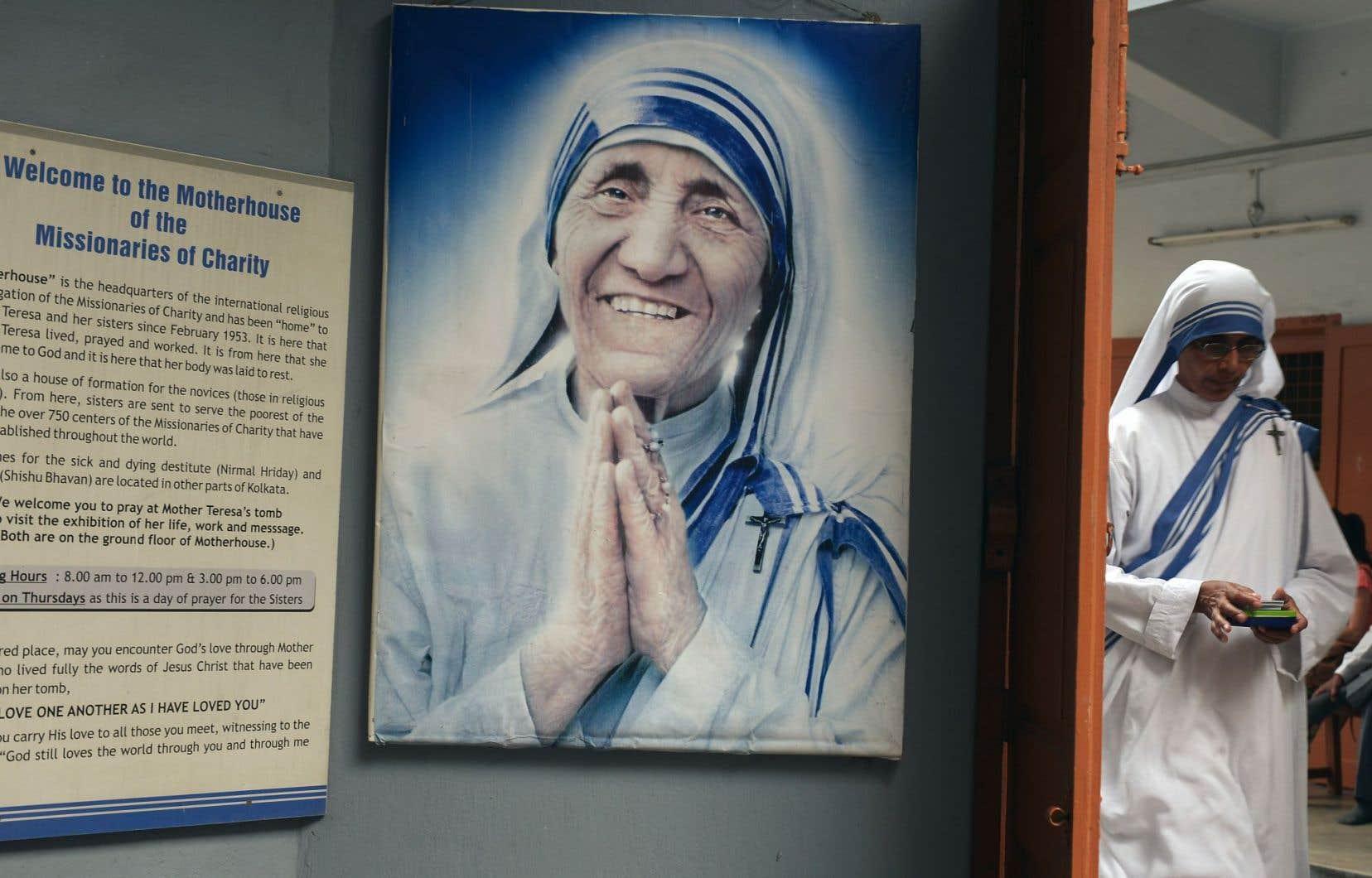 Un portrait de Mère Teresa à la congrégation des Missionnaires de la charité, à Calcutta en Inde