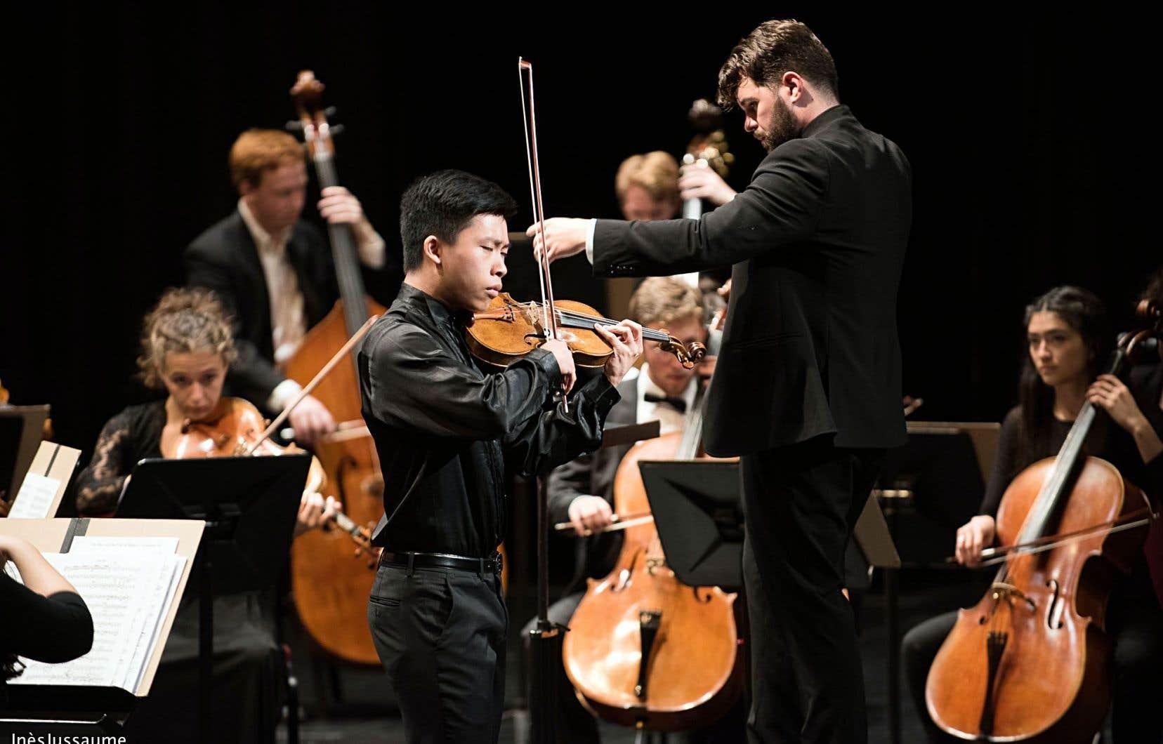 Le concert planifié par Jean-Philippe Tremblay a été dirigé par Simon Rivard, qui assure cette saison estivale après la défection pour raison de santé du fondateur de l'Orchestre de la Francophonie.
