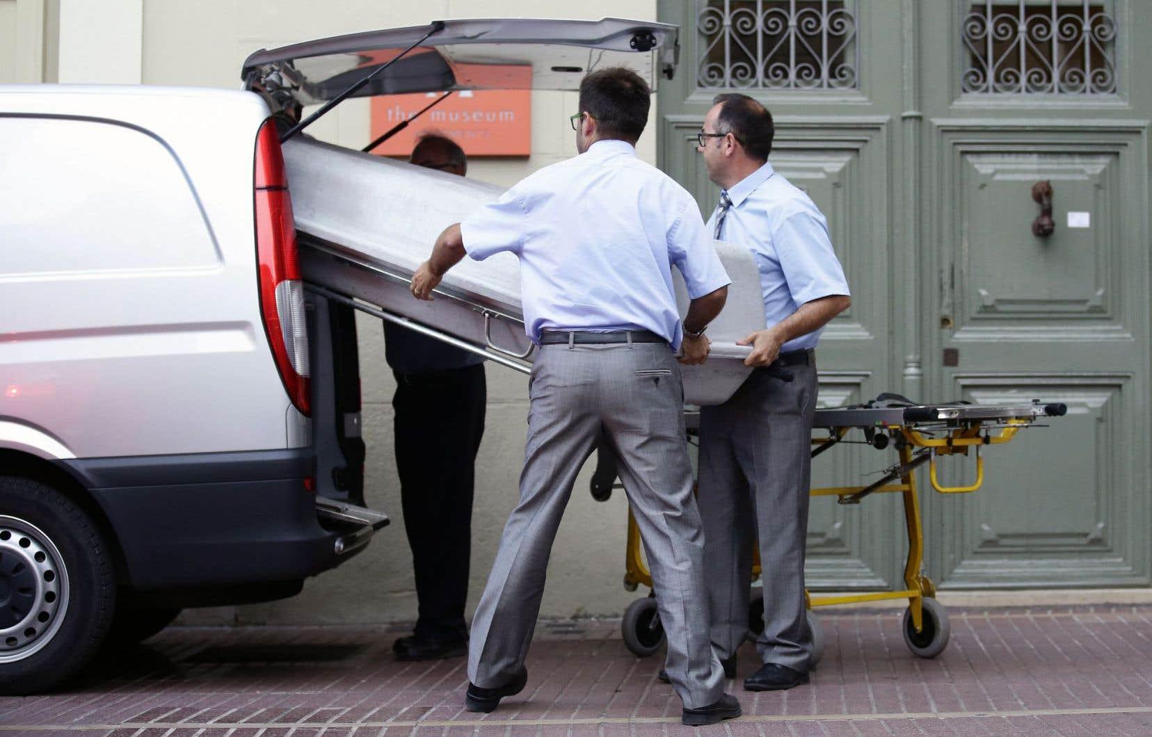 Les restes exhumés de l'artiste ont été examinés par des médecins légistes jeudi à Figueras, en Espagne.