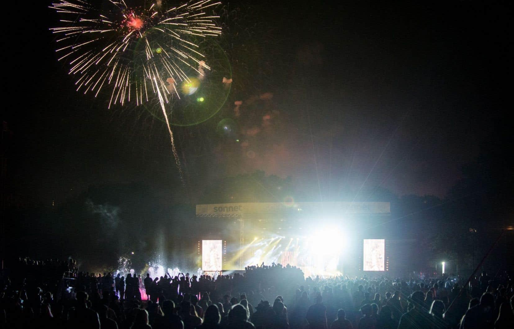 Compte tenu du chantier du nouvel amphithéâtre naturel qui est en construction sur l'île Sainte-Hélène, les concerts d'Evenko ont dû migrer sur l'île voisine, encore plus près de Saint-Lambert.