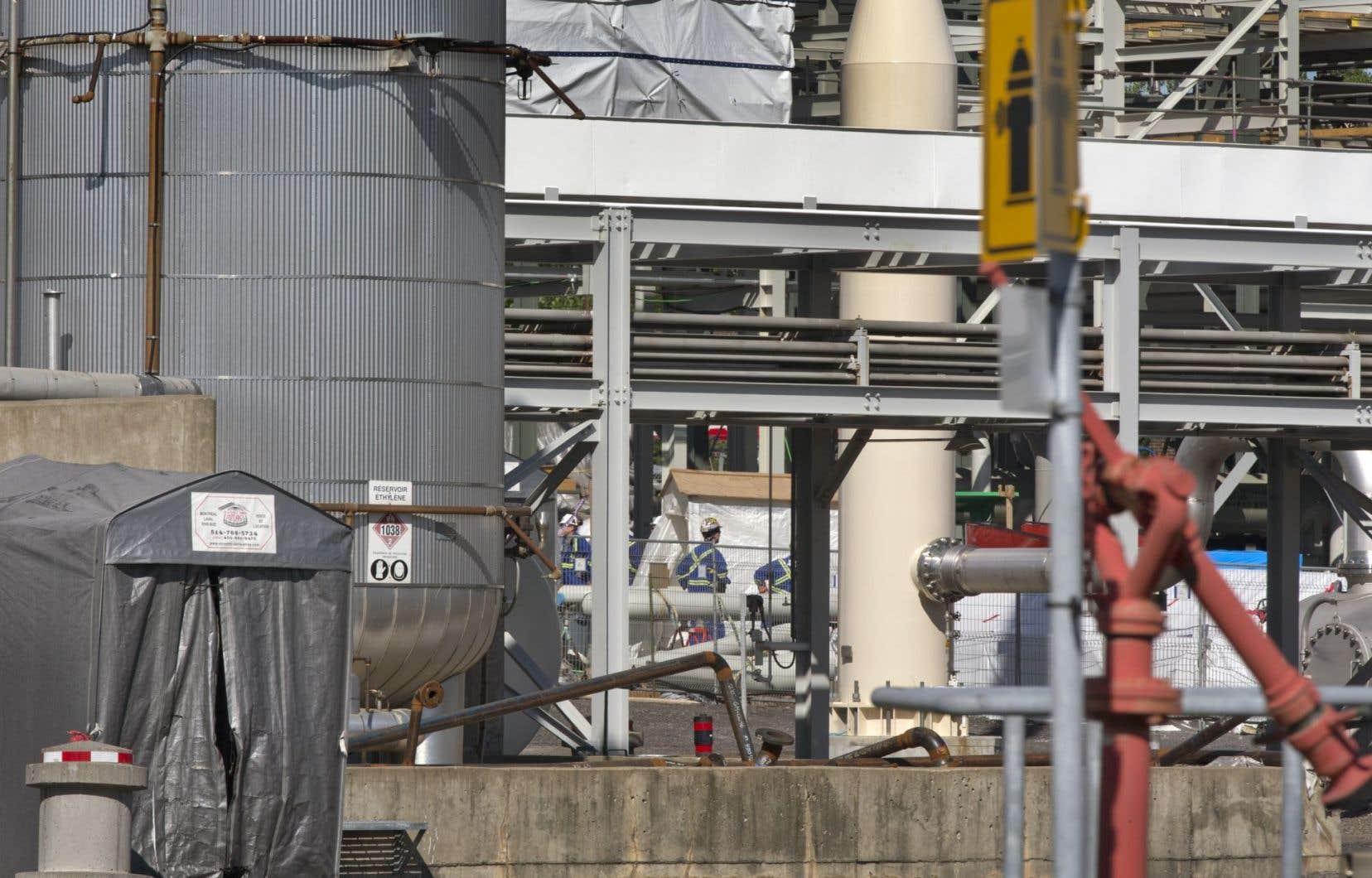 En convertissant les installations del'usine de Sainte-Claire au gaz naturel, c'est l'émission de 6000 tonnes de GES qui est évitée annuellement, remarque l'auteur.