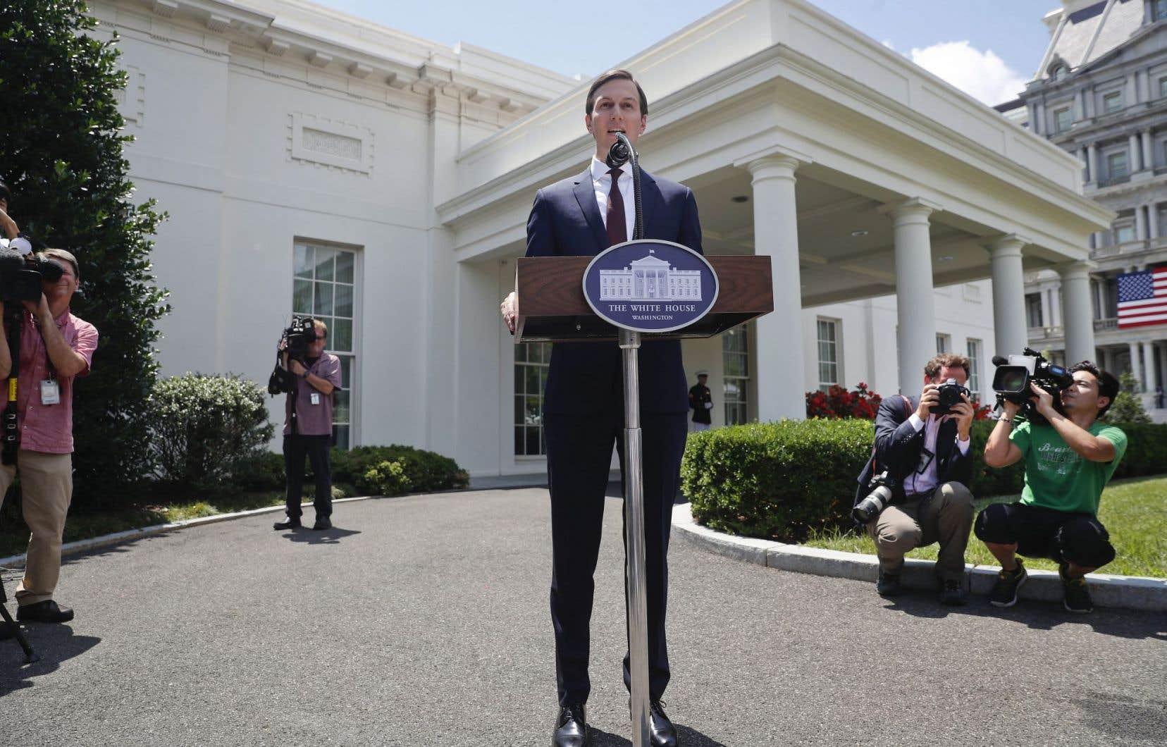 Jared Kushner, gendre et proche conseiller du président Donald Trump, a refusé de répondre aux questions des journalistes.