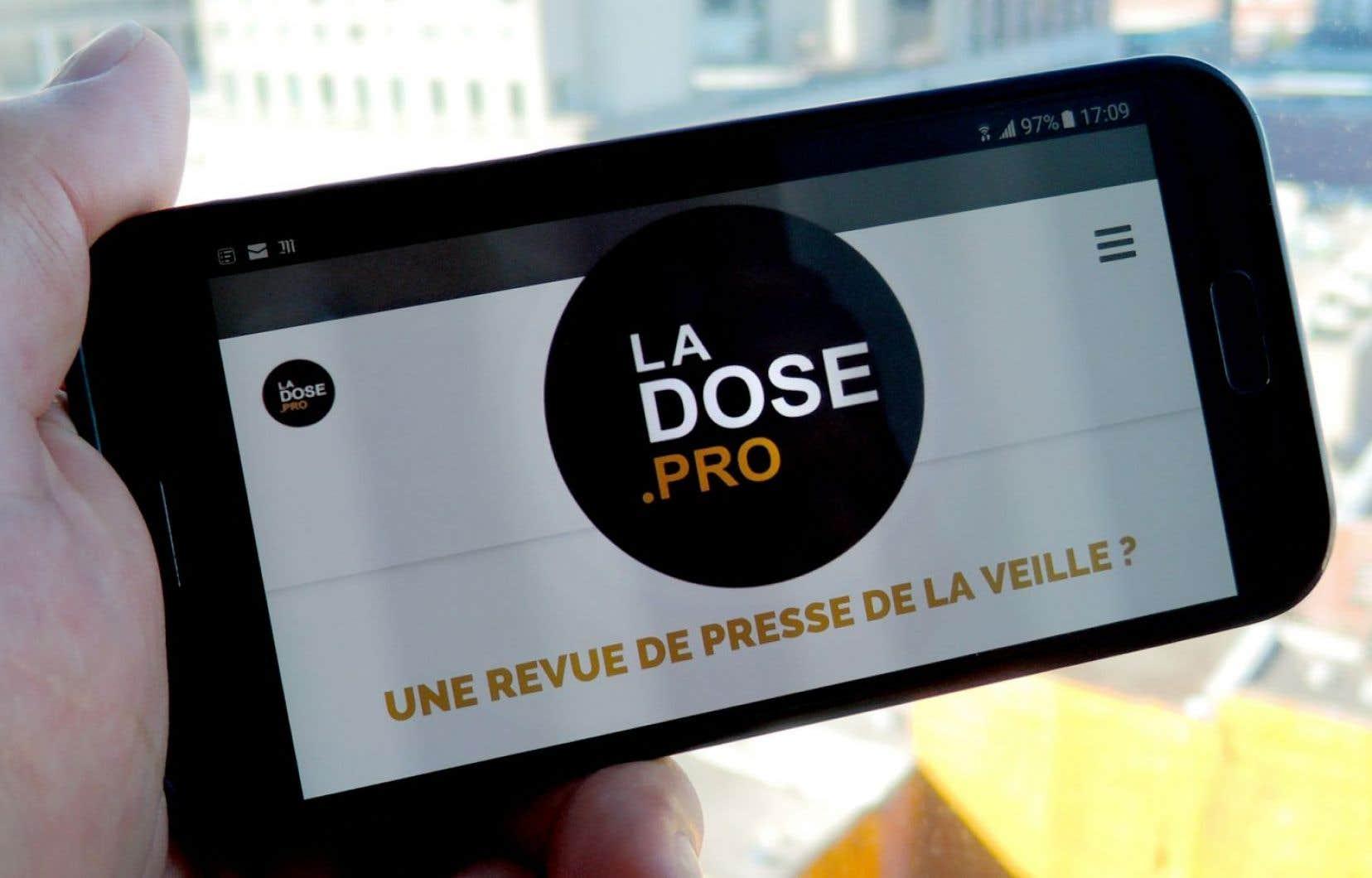 Le service professionnel de veille médiatique de La Dose permet aux abonnés payants d'obtenir le titre, la date, le nom du média ainsi que le premier paragraphe de l'article.