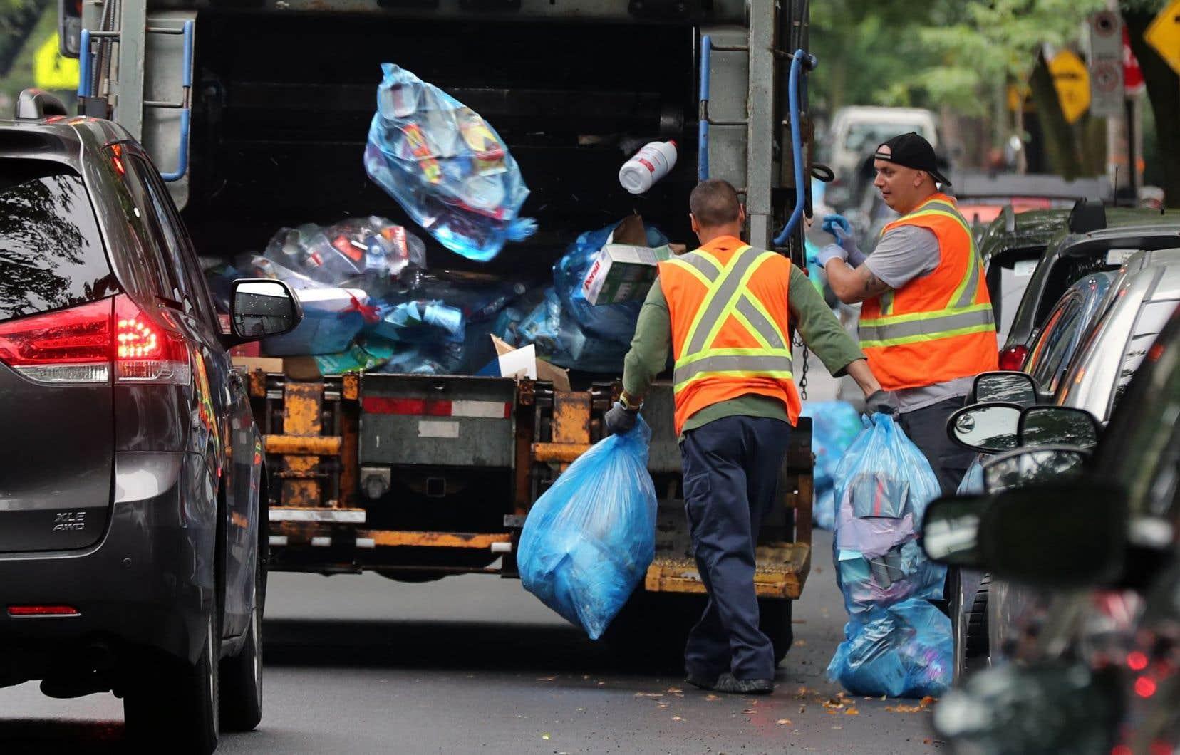 Le Québec n'a pas réussi à atteindre l'objectif qu'il s'était donné dans son plan d'action 2011-2015, soit de recycler 70% du papier, du carton, du plastique, du verre et du métal résiduels.