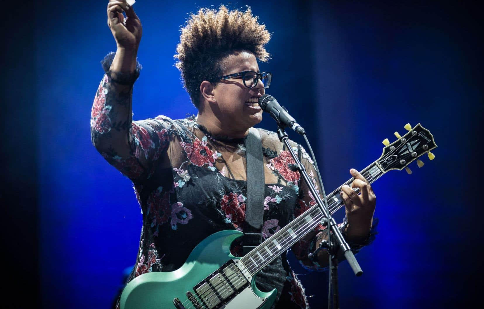 Les musiciennes ont volé la vedette ce dimanche, à Osheaga. Sur la photo, Brittany Howard, leader d'Alabama Shakes.