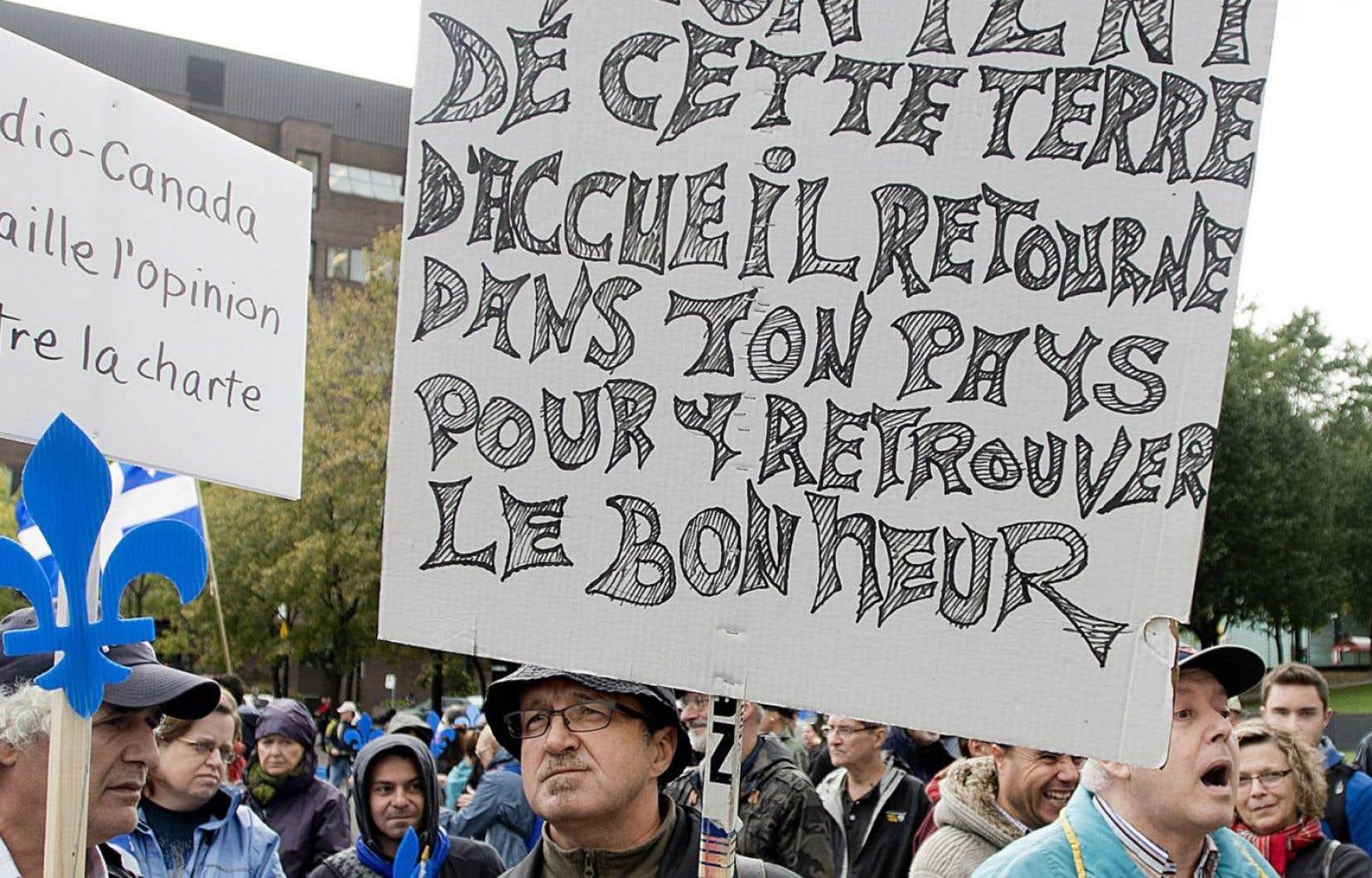 Puisque la lutte contre la dissémination des discours racistes est l'un des principaux arguments invoqués pour l'encadrement de la liberté d'expression, il semble important de réfléchir à ces deux notions pour comprendre la montée de la xénophobie depuis quelques années au Québec et ailleurs, et y réagir plus efficacement.