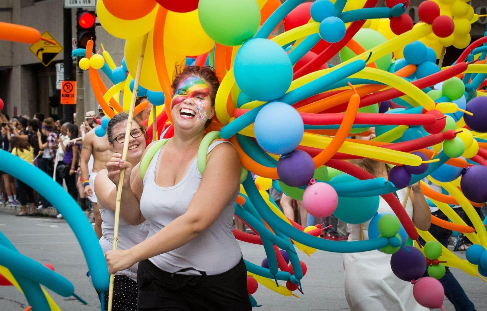 54% des sondés issus des communautés LGBTQ ont l'impression que «la vie sera ou aura été plus difficile que celle d'une personne ne faisant pas partie des minorités sexuelles ou de genre».