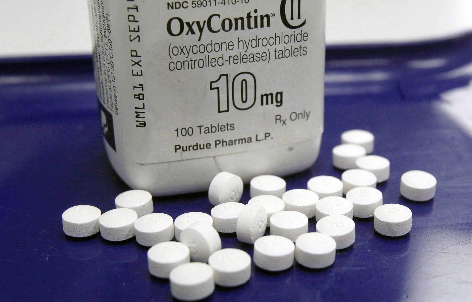 Début mai, Purdue Pharma, la pharmaceutique américaine qui fabriquait l'OxyContin, a accepté une entente à l'amiable qui prévoit qu'elle versera 20 millions de dollars à des milliers de Canadiens.
