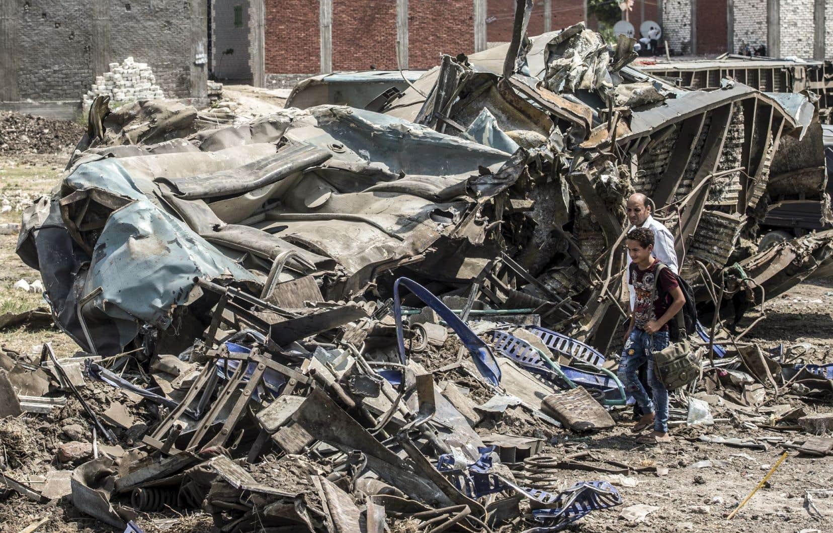 L'Égypte connaît régulièrement de graves accidents ferroviaires dus notamment à des voies ferrées mal entretenues.